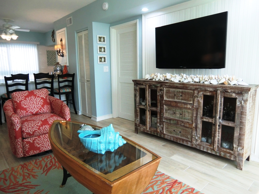 tropical-colorful-living-room-coral-blue-interior-designers-ocean-reef-club-key-largo.JPG