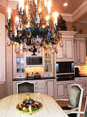 wrought-iron-chandilier-traditional-kitchen.jpg