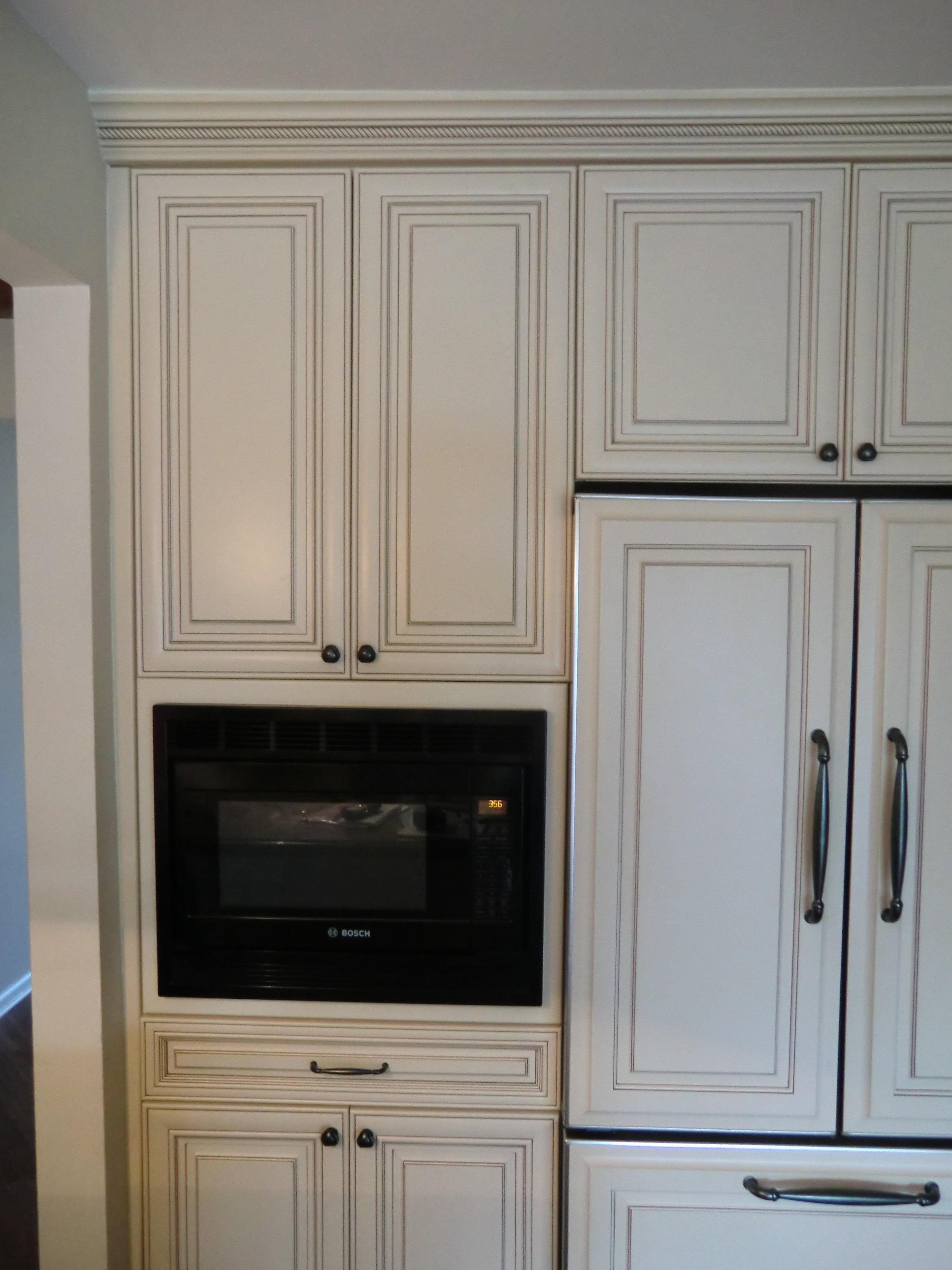 custom-cabinets-pantry-microwave.JPG