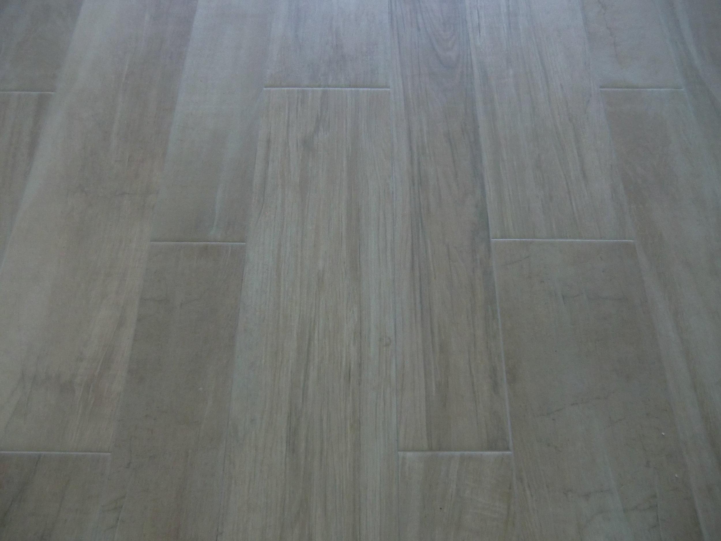 beach-house-tile-wood-floors.JPG