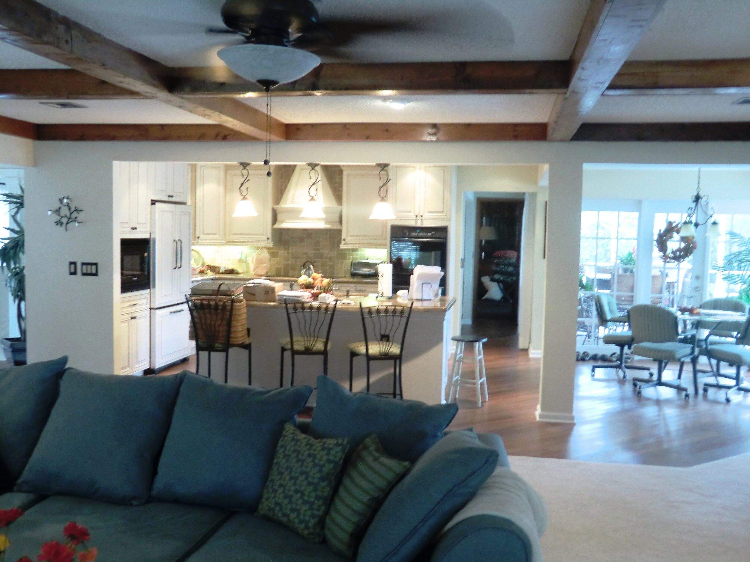Traditional custom Kitchen remodel with custom kitchen cabinets