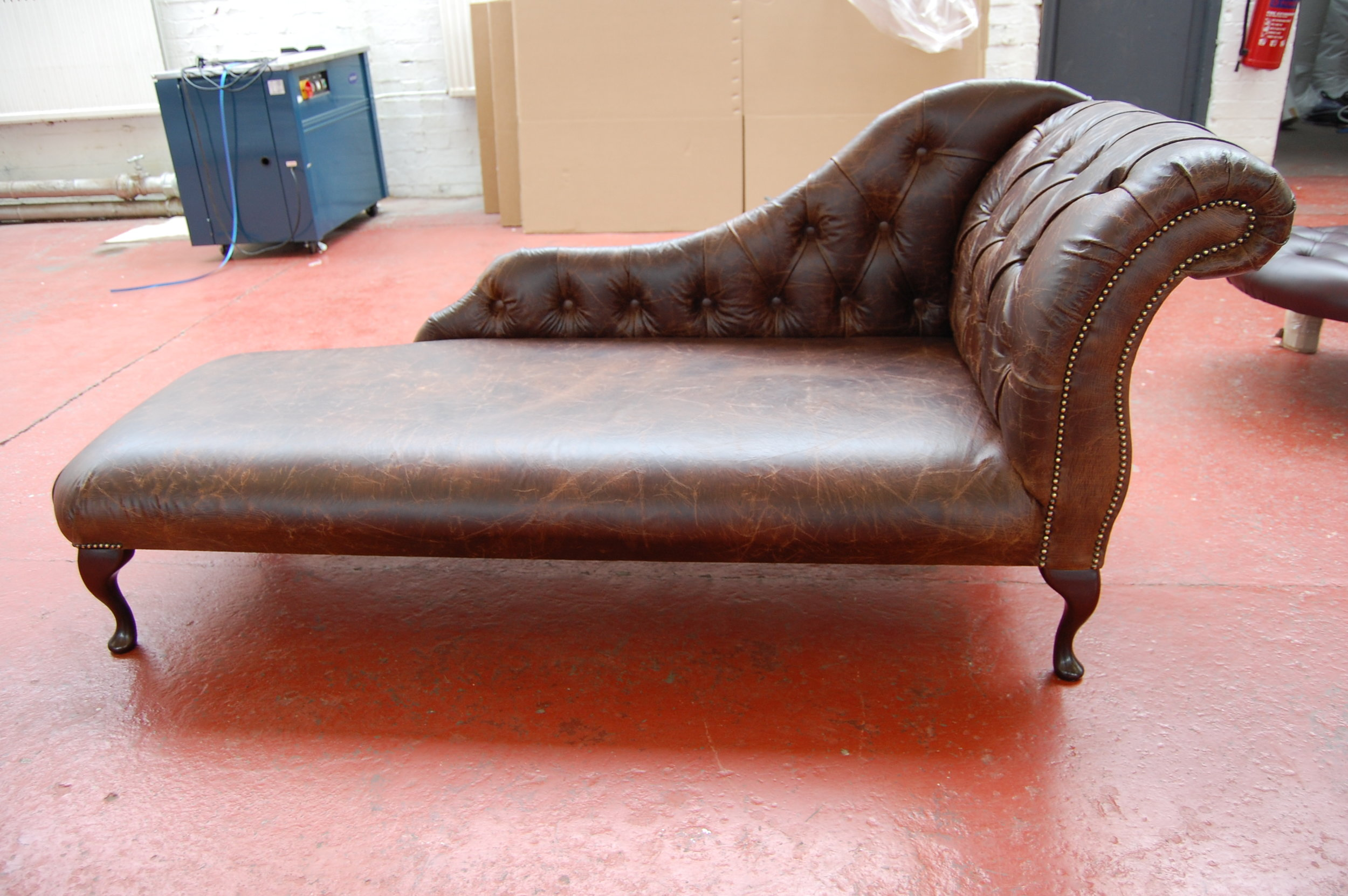 Duchess Chaise Long - Deluxe Vintage Brown.JPG
