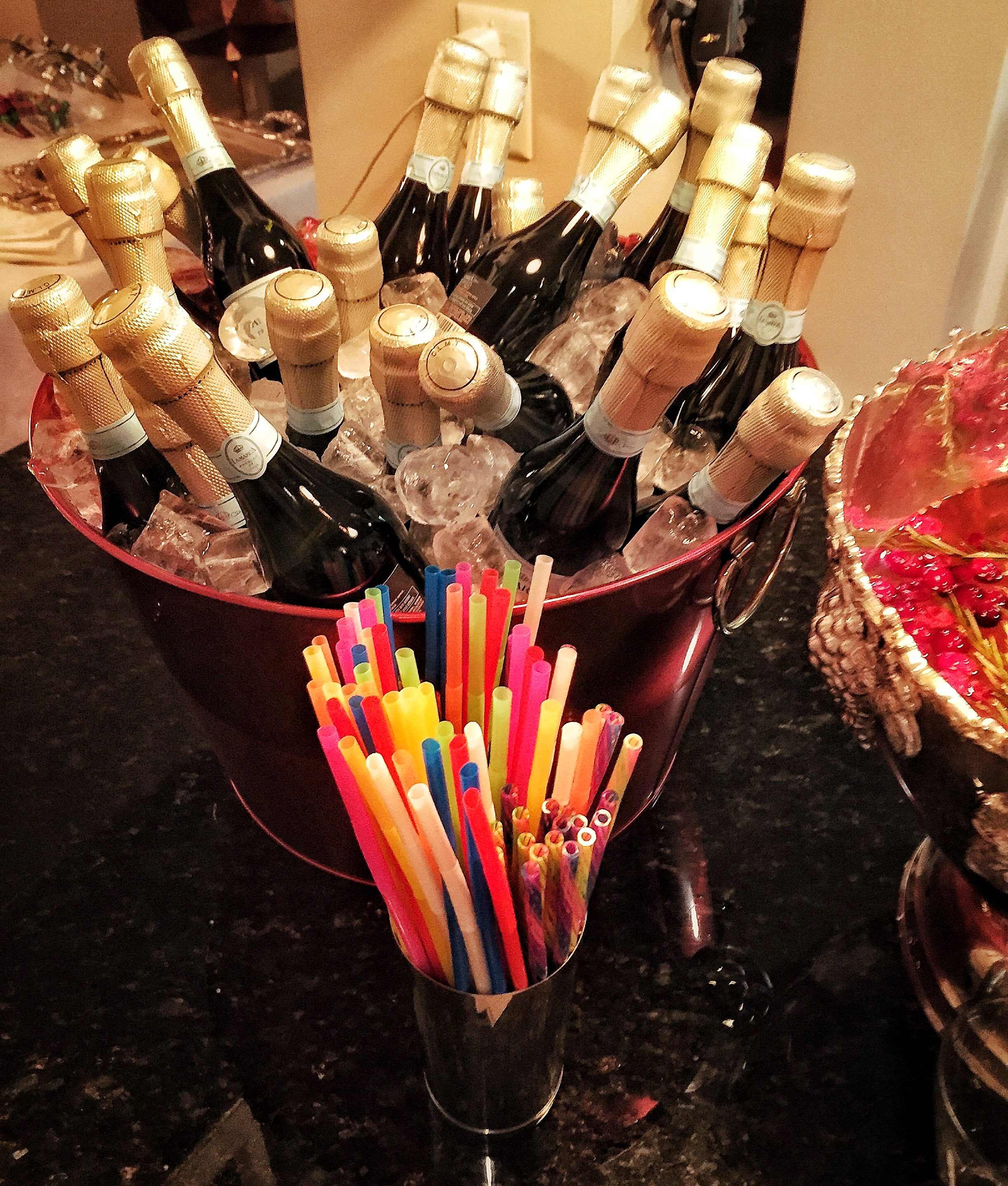 Prosecco with straws. DONE.