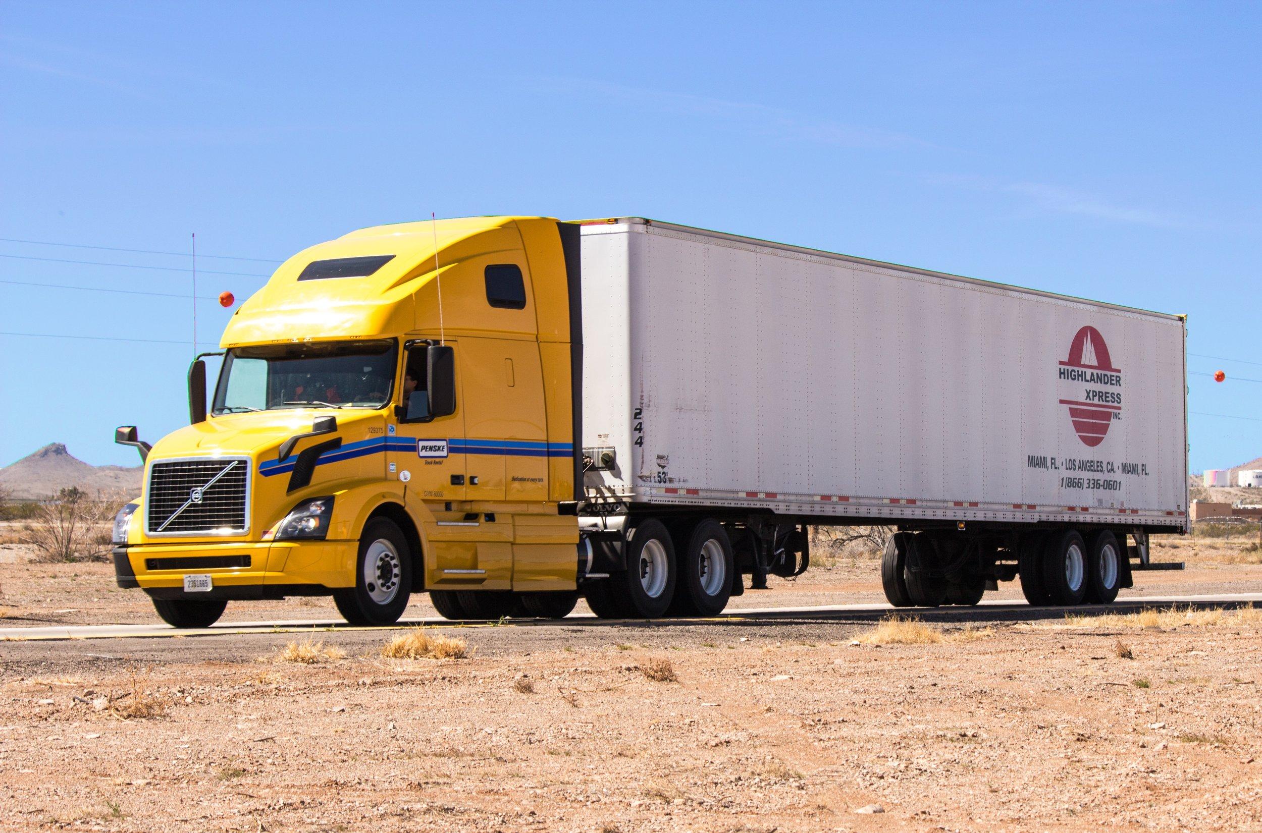truck-1499377.jpg