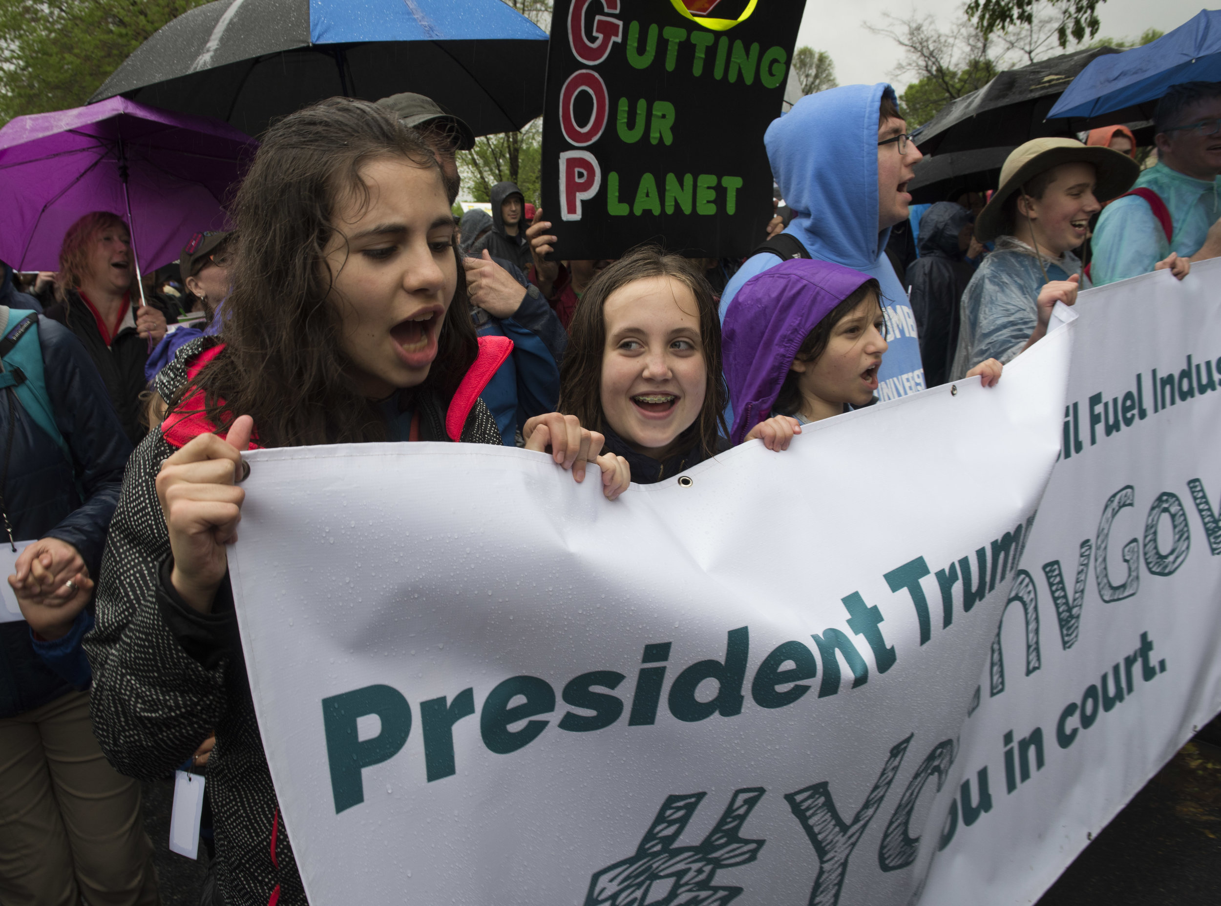 Sahara chants at the April 22, 2017 March For Science in Washington D.C. with her fellow #youthvgov plaintiffs. Photo: Robin Loznak