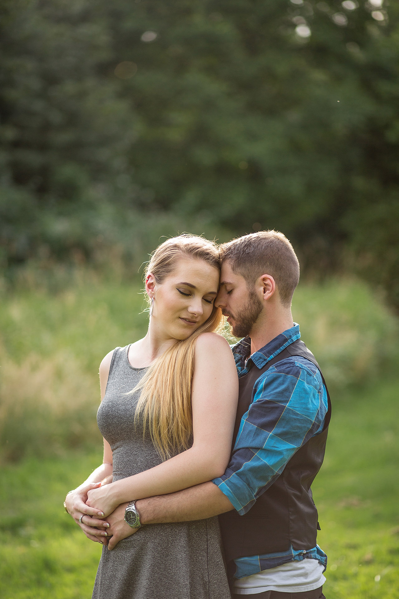 Bellevue Redmond pregnancy announcement photography by Entwined