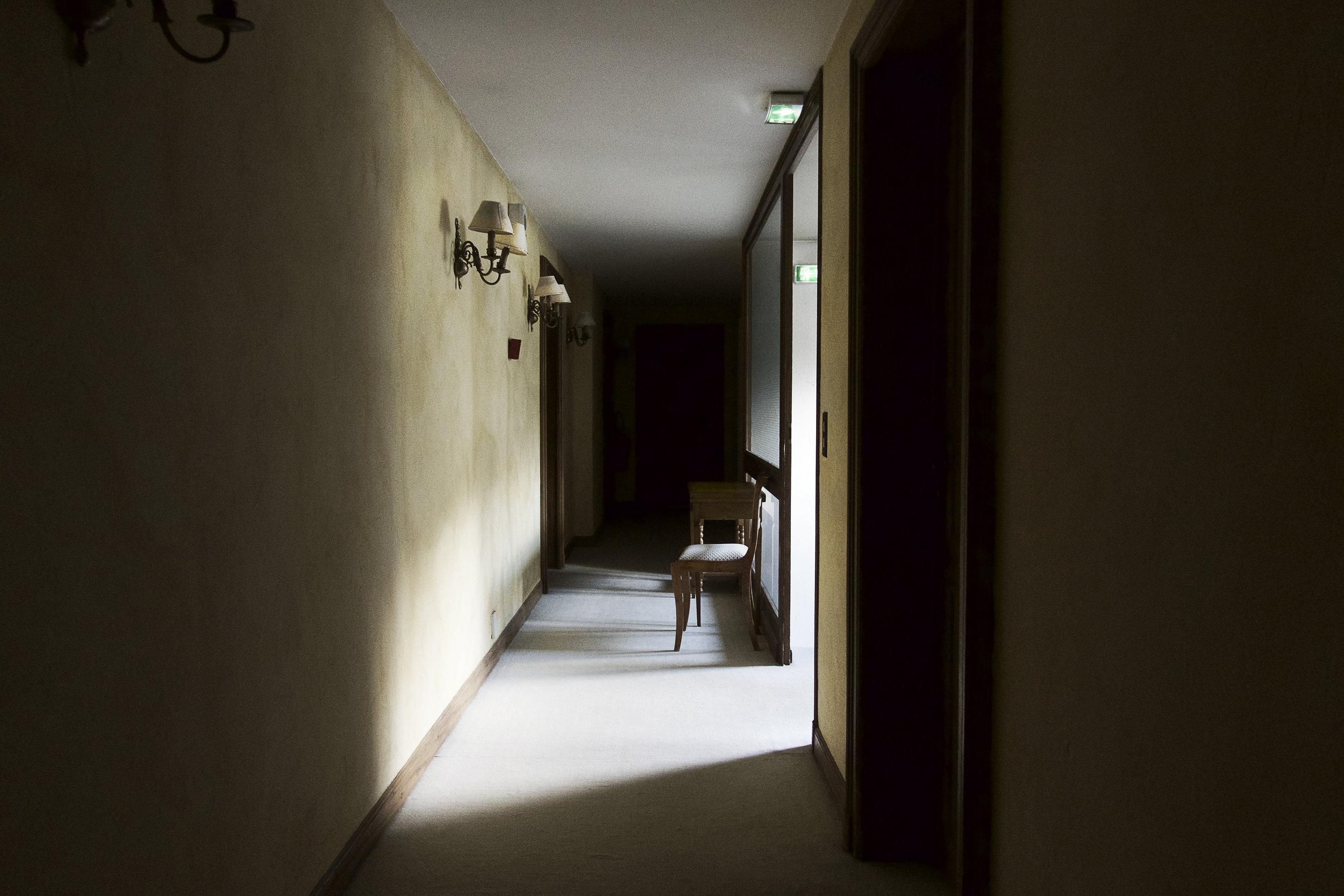 Pretty light in the hallway at La Villa des Roses.