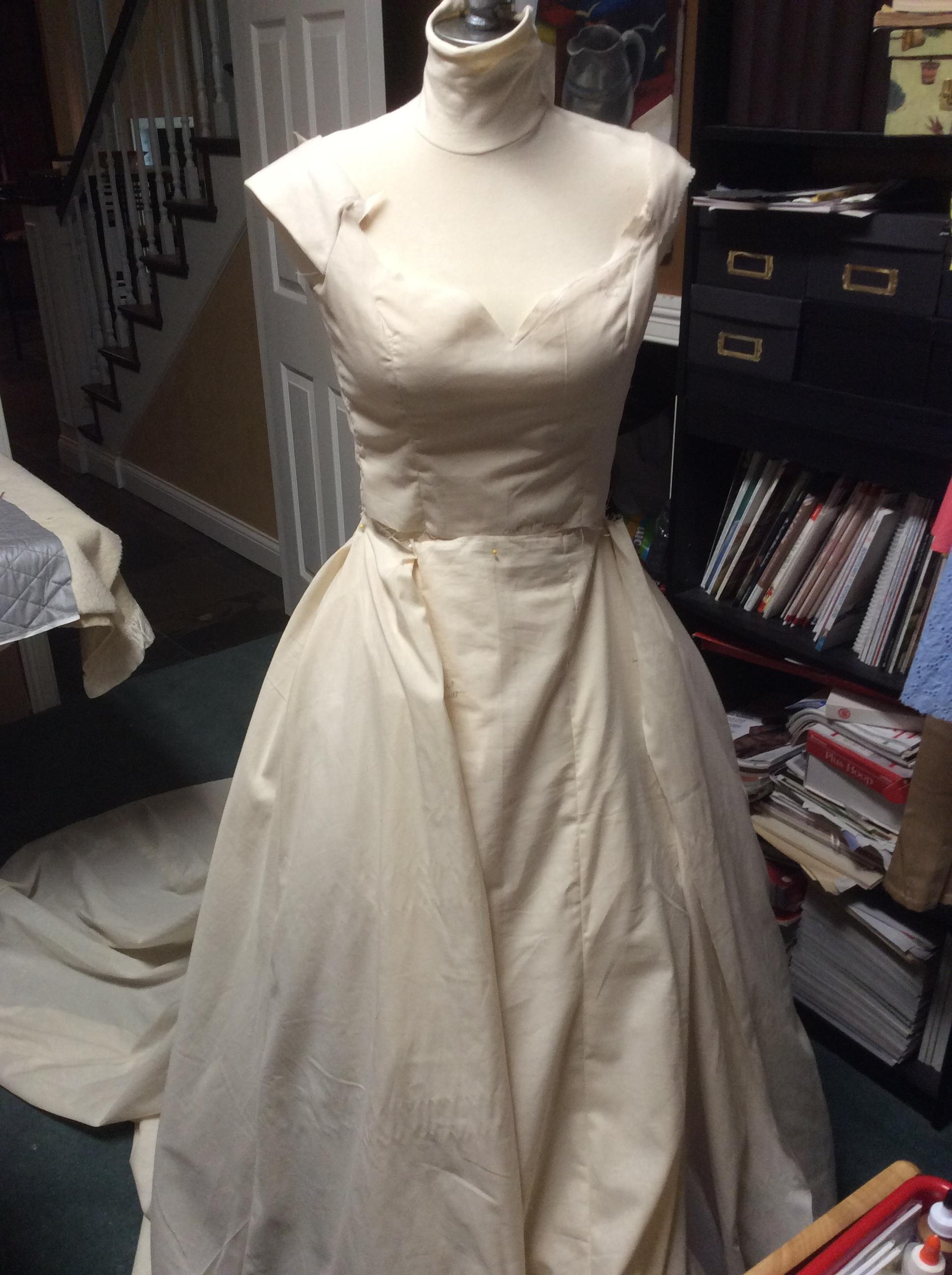 dress1a.JPG