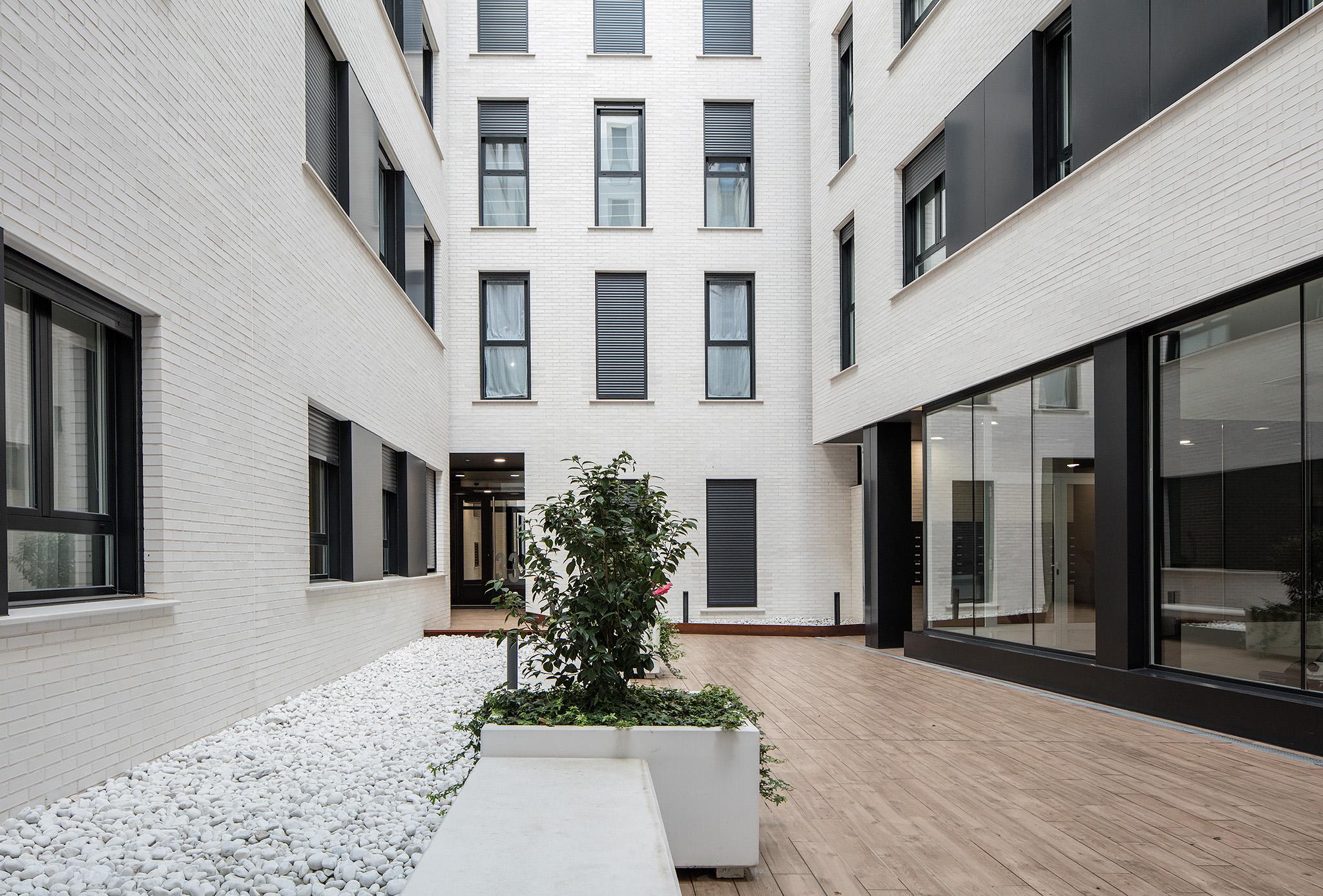 Imagen 2 del portal de acceso a la vivienda, proyecto de interio