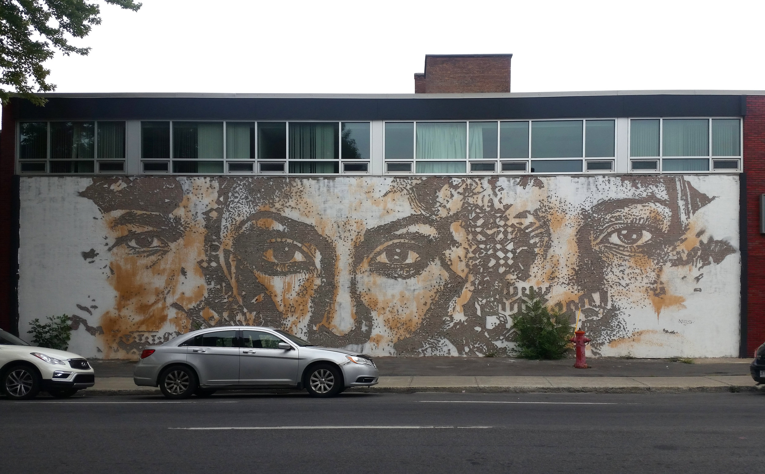 Mural on Avenue de Chateaubriand, Montreal