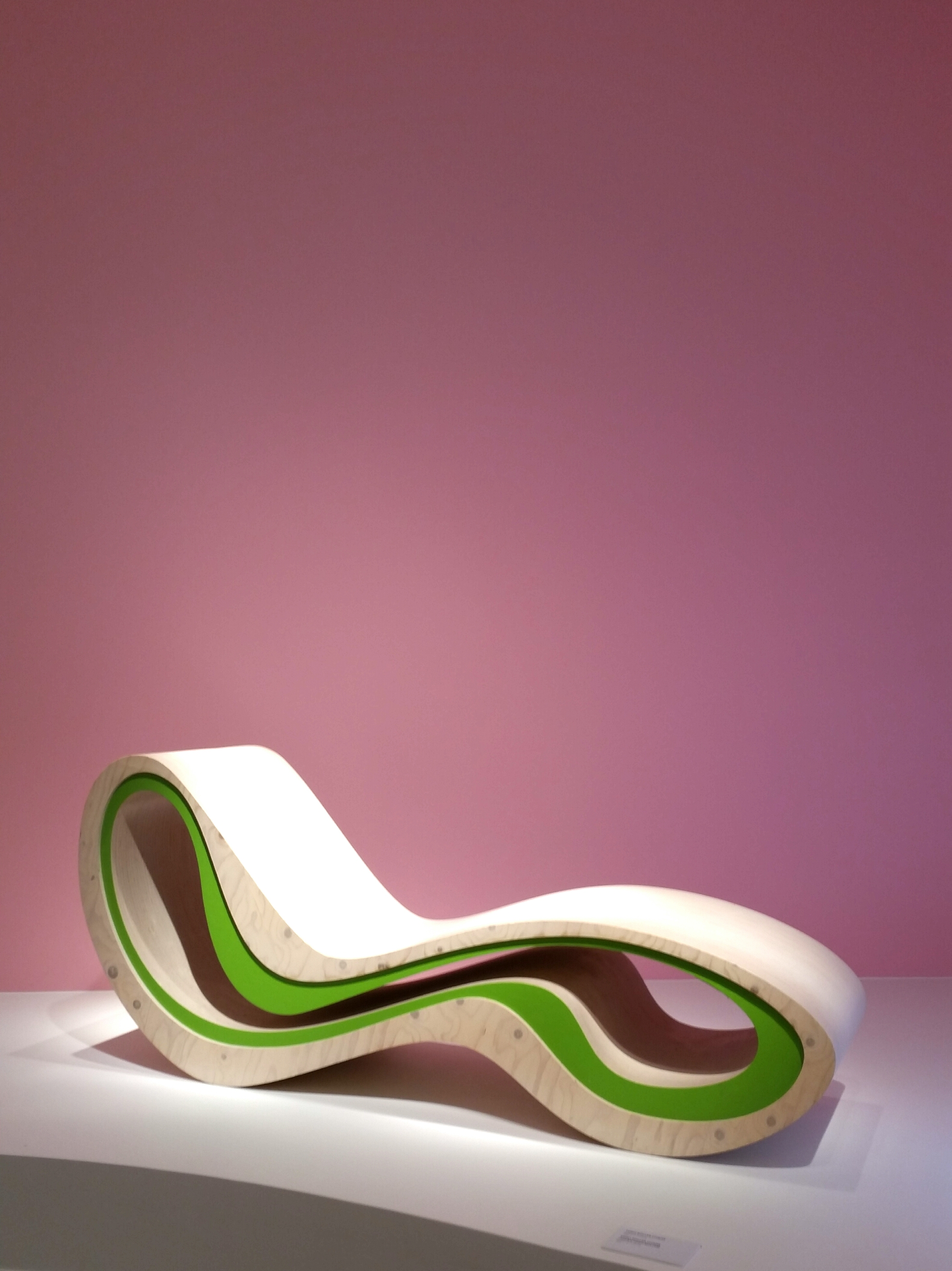 High roller chaise