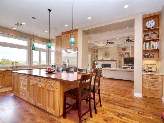 Traditional_kitchen2.jpg