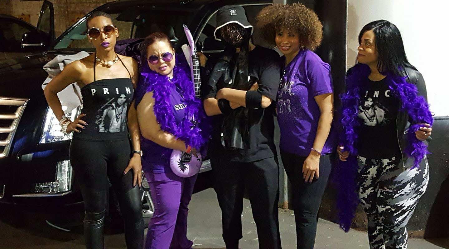 """Moodymann with his posse in the garage at First Avenue after Deep Purple. Left to right: Traci Washington, Karen """"Special K"""" Ferguson, Moodymann, Theresa Hill, Tracy Bragg. Photo courtesy Karen Ferguson."""