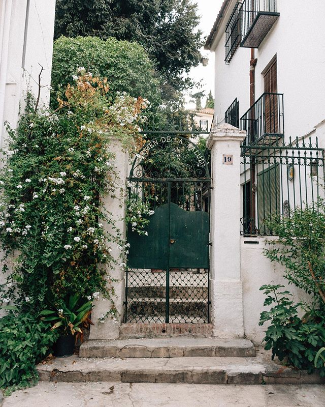 Re-visited photos from our time last summer in the south of Spain for inspo on a client's new brand, and I'm so glad I did. I remember how narrow the streets were and how they sloped and curved. I think I took this picture on our walk to watch the sunset and have dinner. At the time, Samuel was just the size of an orange in my belly! 🍊