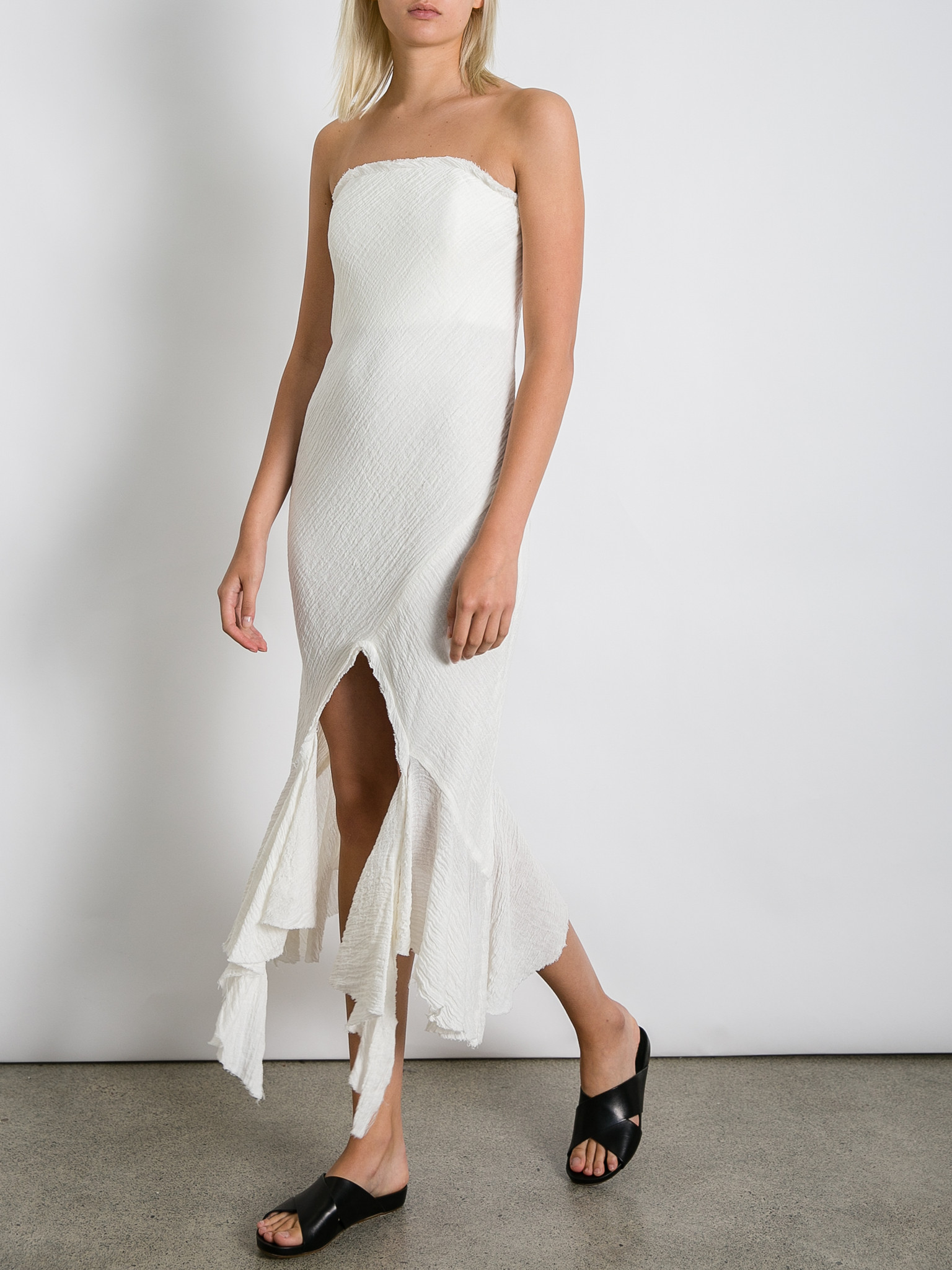 THE_UNDONE_KITX_Crush_Linen_Strapless_Dress_White_FF.jpg