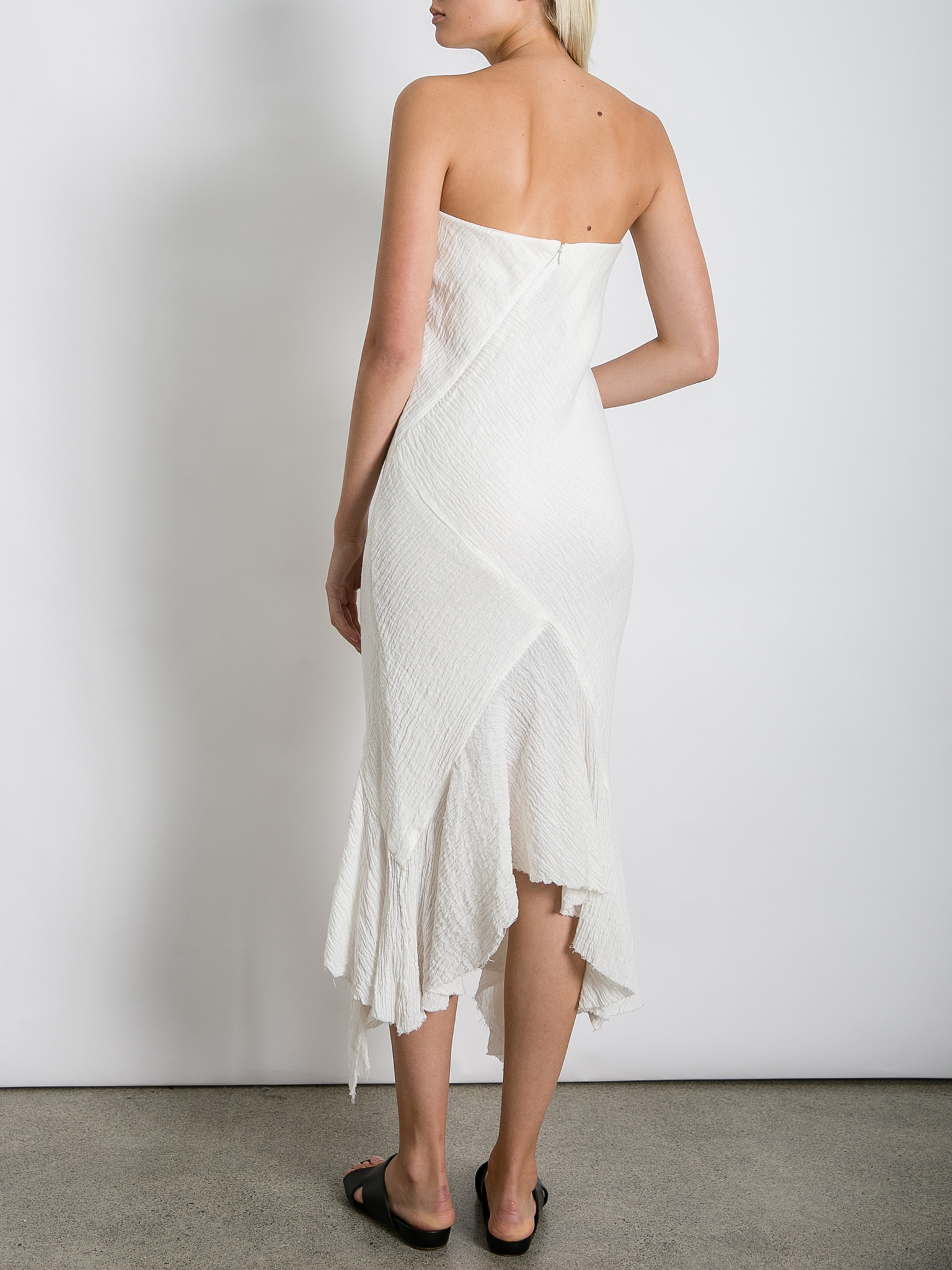 THE_UNDONE_KITX_Crush_Linen_Strapless_Dress_White_FB.jpg
