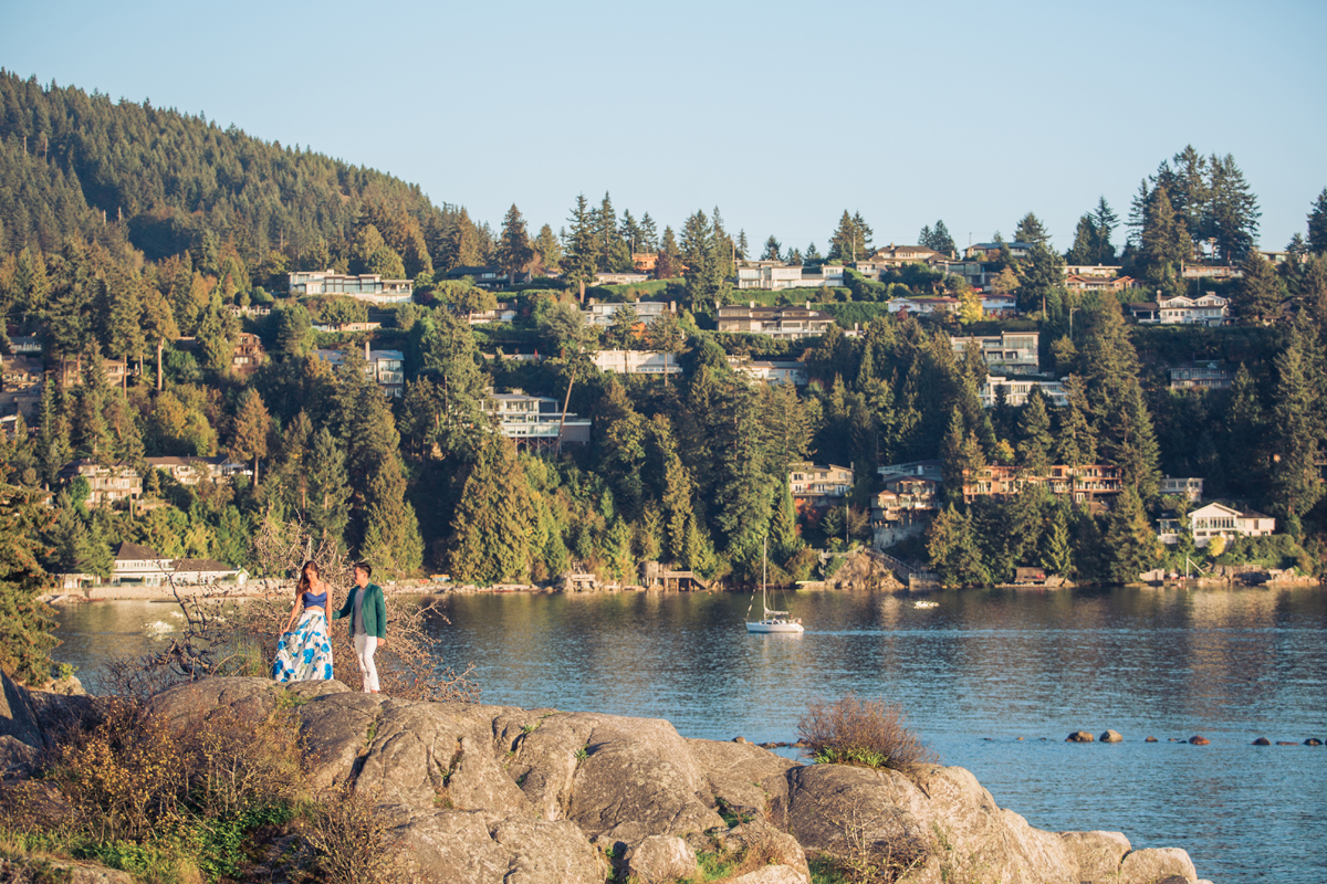 popular-engagement-shoot-location-west-vancouver-whytecliff-park-by-the-water