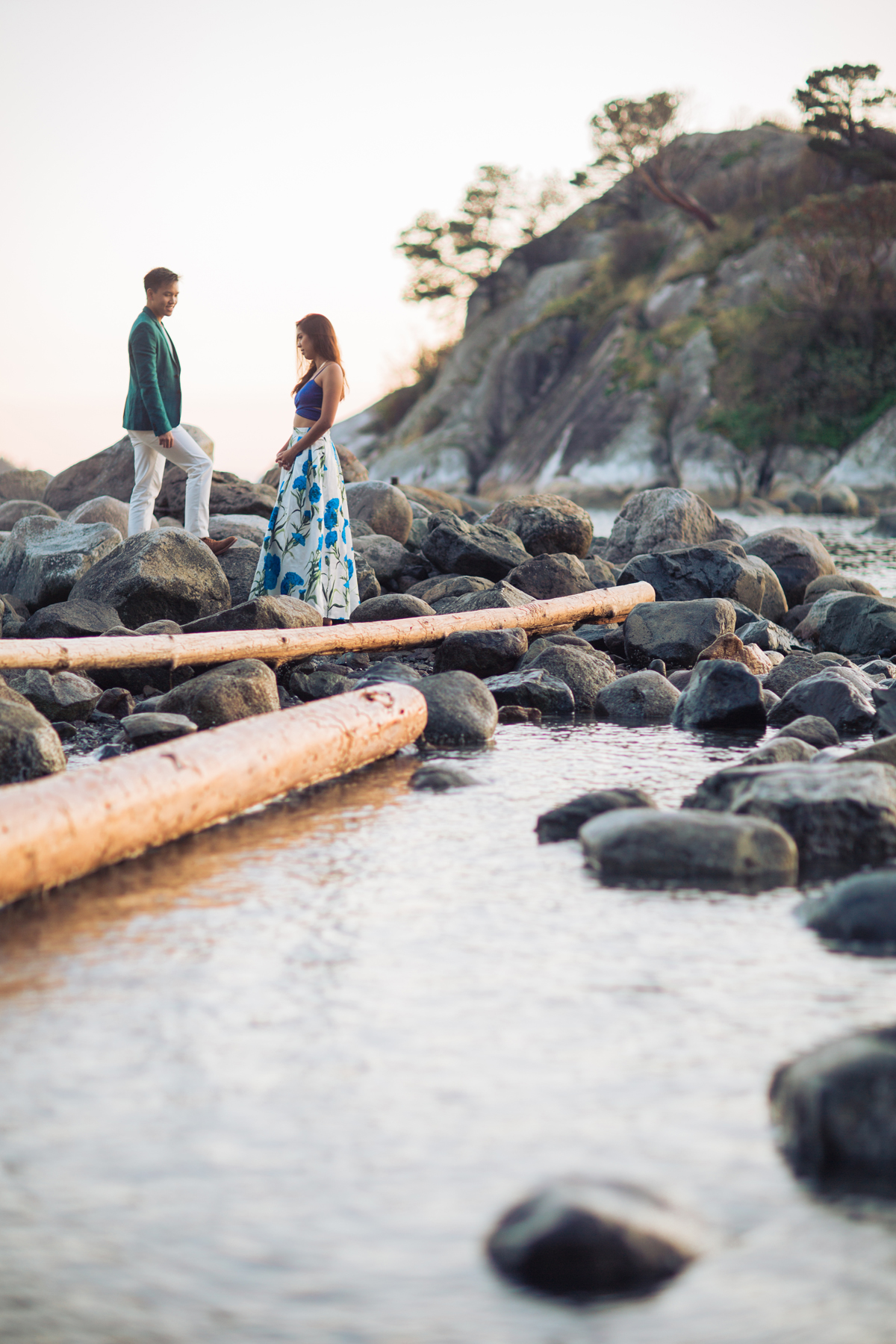 engagement-shoot-venues-west-vancouver-whytecliff-park