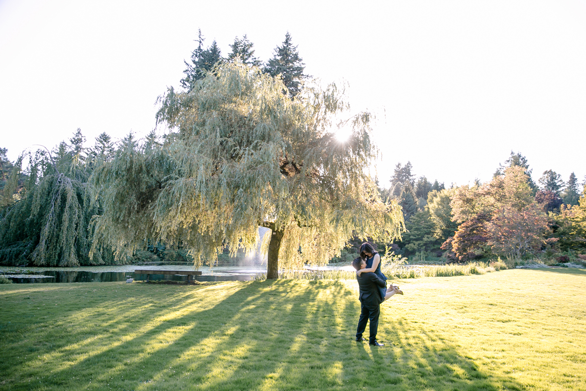 engagement-shoot-venues-in-vancouver-van-dusen-park