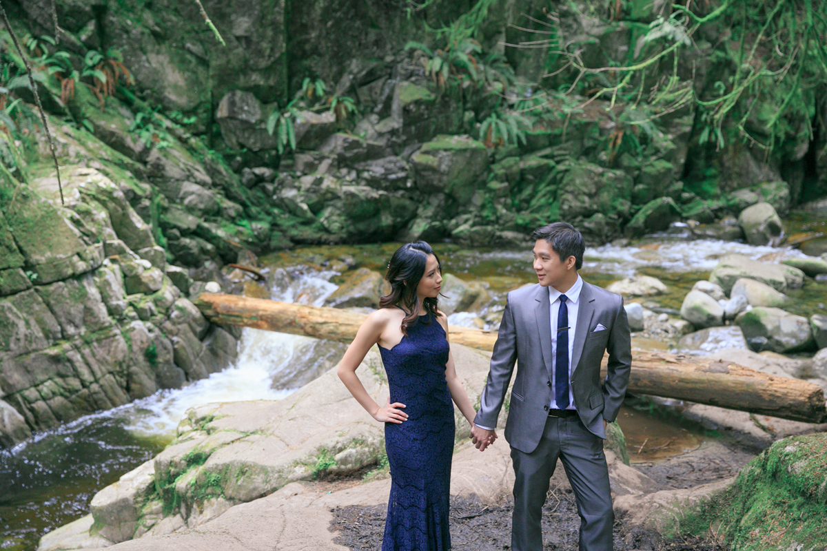 engagement-shoot-venues-vancouver-west-side-cypress-falls-park