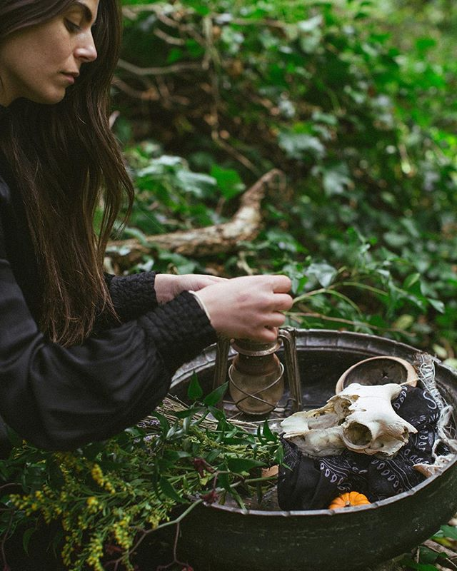WAKE THE WITCH  A storytelling collaboration X @thegoddessspace X @hanawolf.photography  Gather your tools sister... Packing up her cauldron, she fills it up with herbs, with ritual tools, with anything that she feels will support her on the journey she is about to embark on.  The journey between the veils.  For nature is our greatest ally. And if we look deep enough within nature, we will find everything we need.  Everything we long for. Everything we are. . . #wakethewitches #allhallowseve #halloween #witches #witch #pagan #wicca #witchcraft #spellwork #powerofthewitch #wakethewitch #awakethewitch #goddessrising #divinefeminine #sacredfeminineenergy #magical #spiritual #magicisreal #believeinmagic #witchesofinstagram #witchstagram #wewomen #castspells #wearepowerful #wearerising #wombwisdom #moonmysteries #wildsacredwomen #fineartphotography #creativeportraiture
