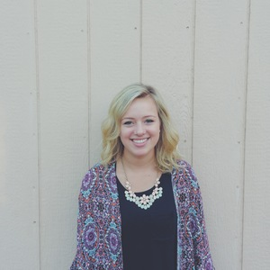 Alycia Banker  Alycia is a first year BSSM student with a heart for worship and seeing the Kingdom come through music and dance. She's originally from Montana, and enjoys time in the mountains and time spent with family and friends.