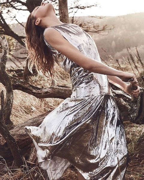 More metallics. Not usually one for sparkle, but what's not to love about a silver @mulberryengland dress and these earthy hues? 📷 from the pages of @bazaaruk 🍂