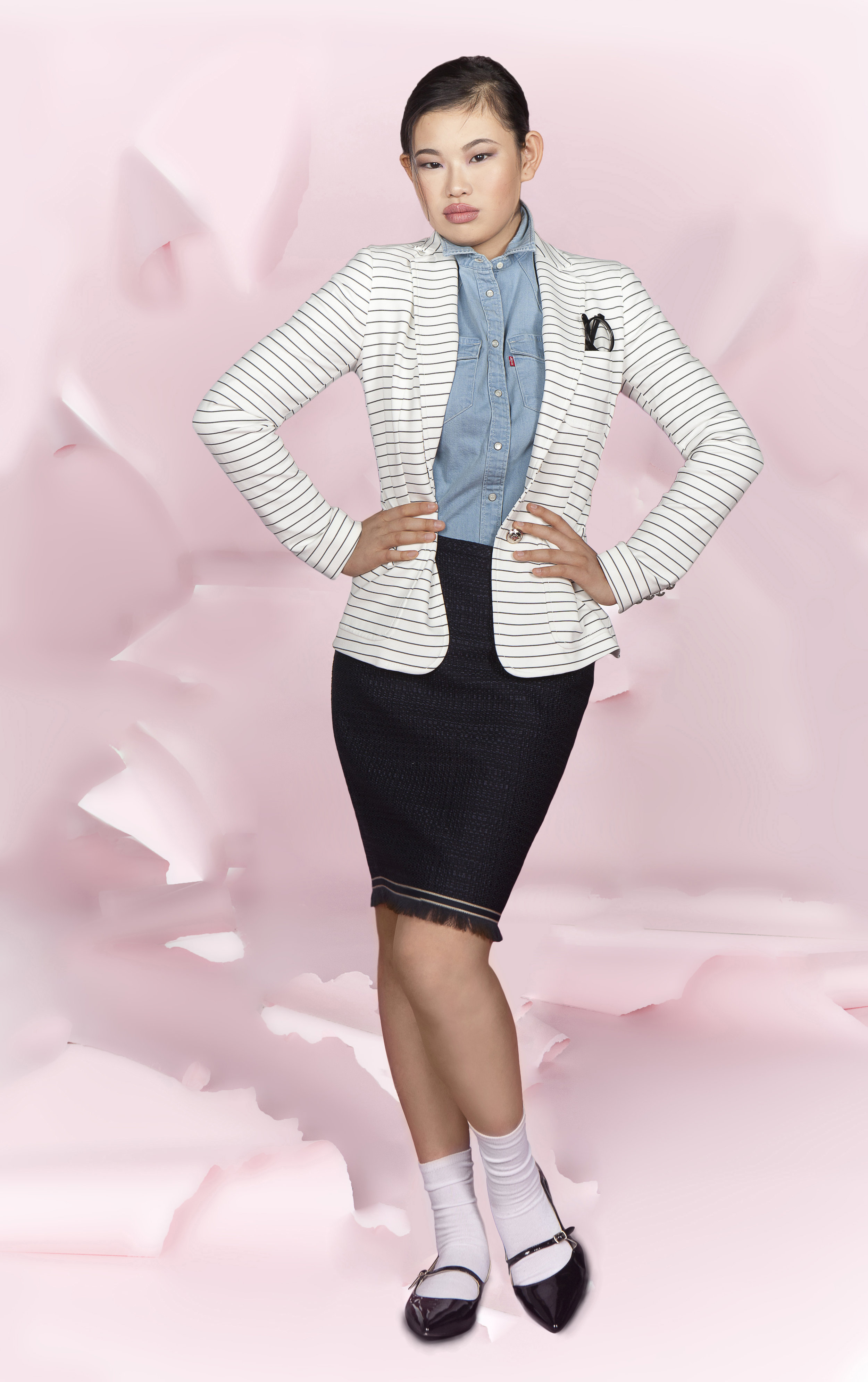 BUSINESS, BUT OUT OF THE BOX   blazer : Tommy Hilfiger |  skirt : Tommy Hilfiger | shoe : Adrienne Vittadini