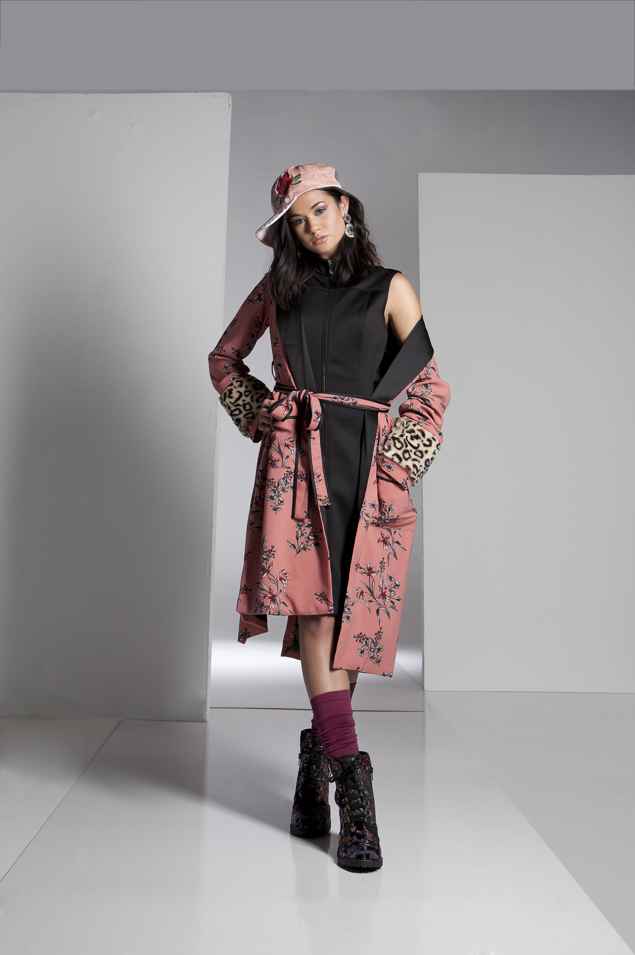 coat : Endless Rose   boot : Diba