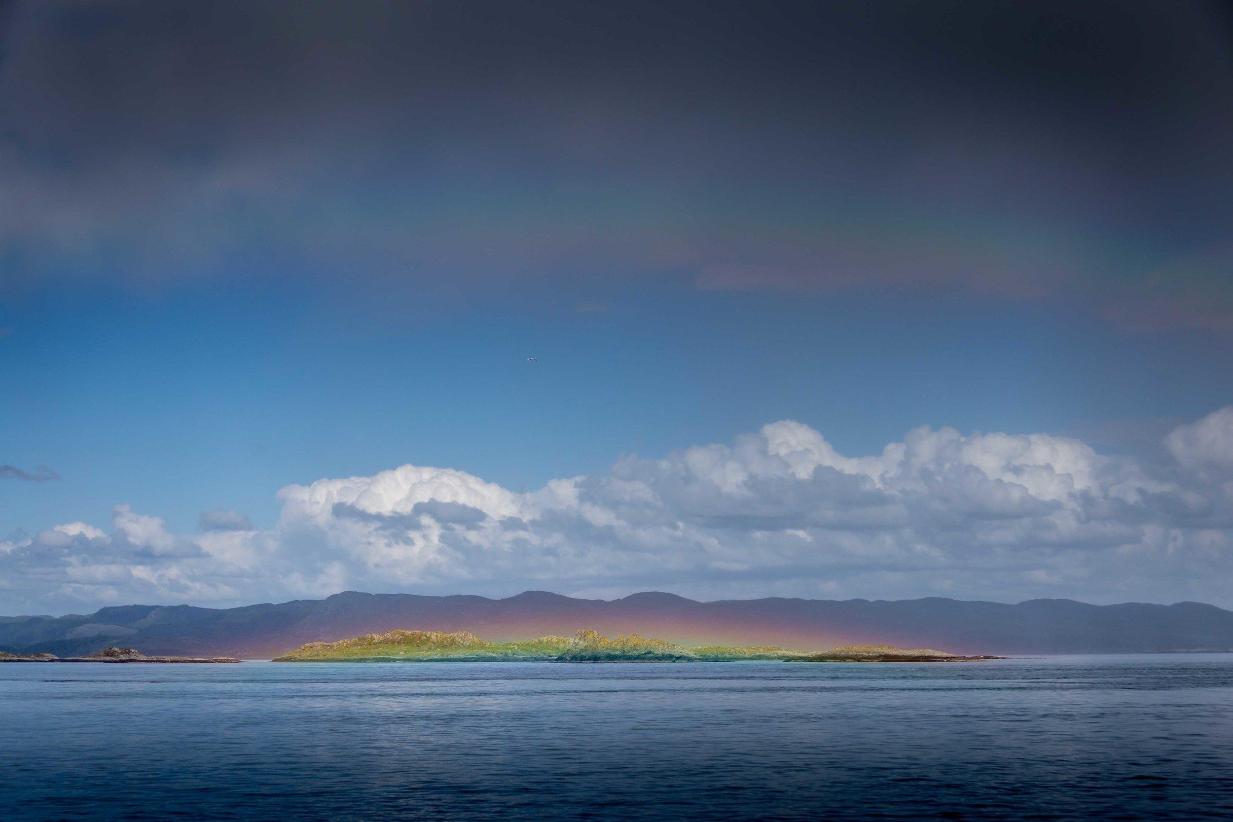 Spray bow and rainbow