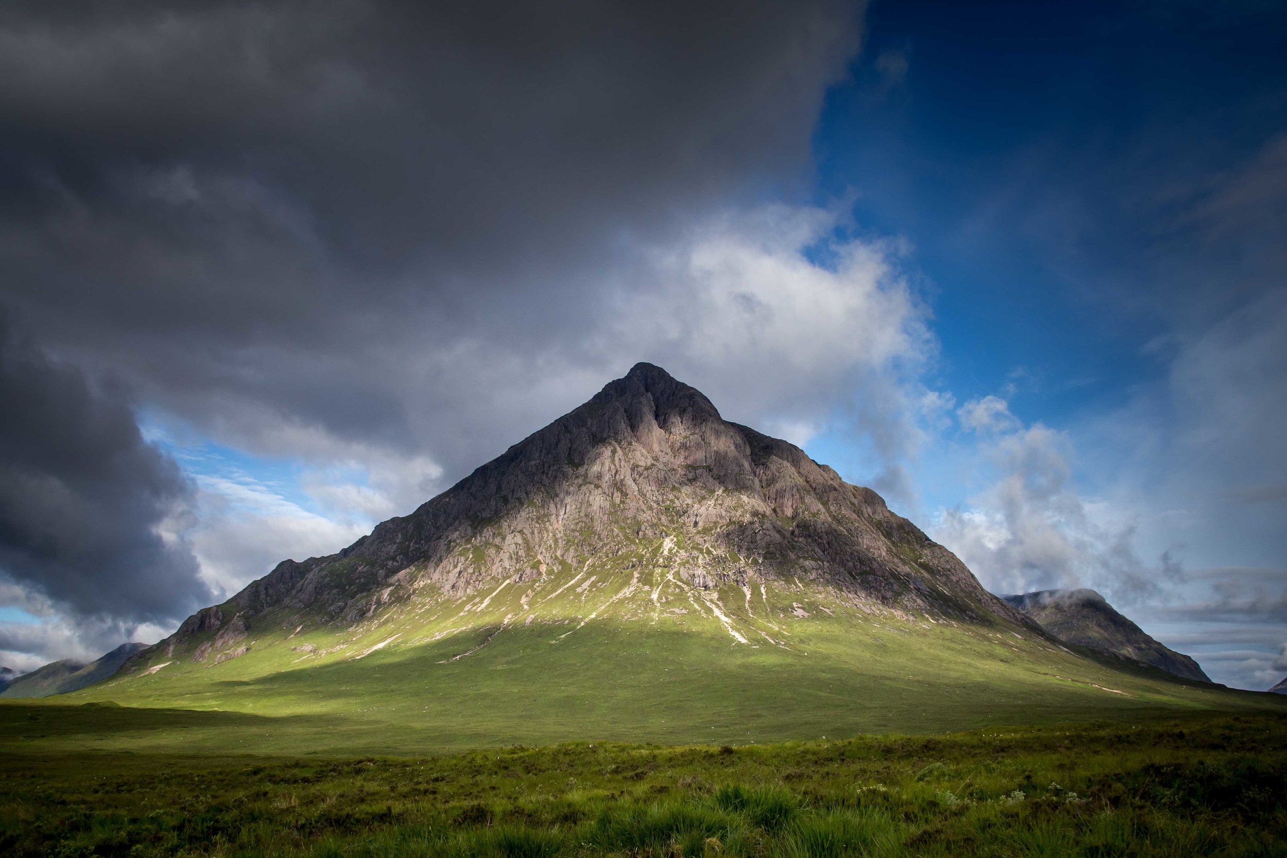 The ever iconic entrance to Glen Coe