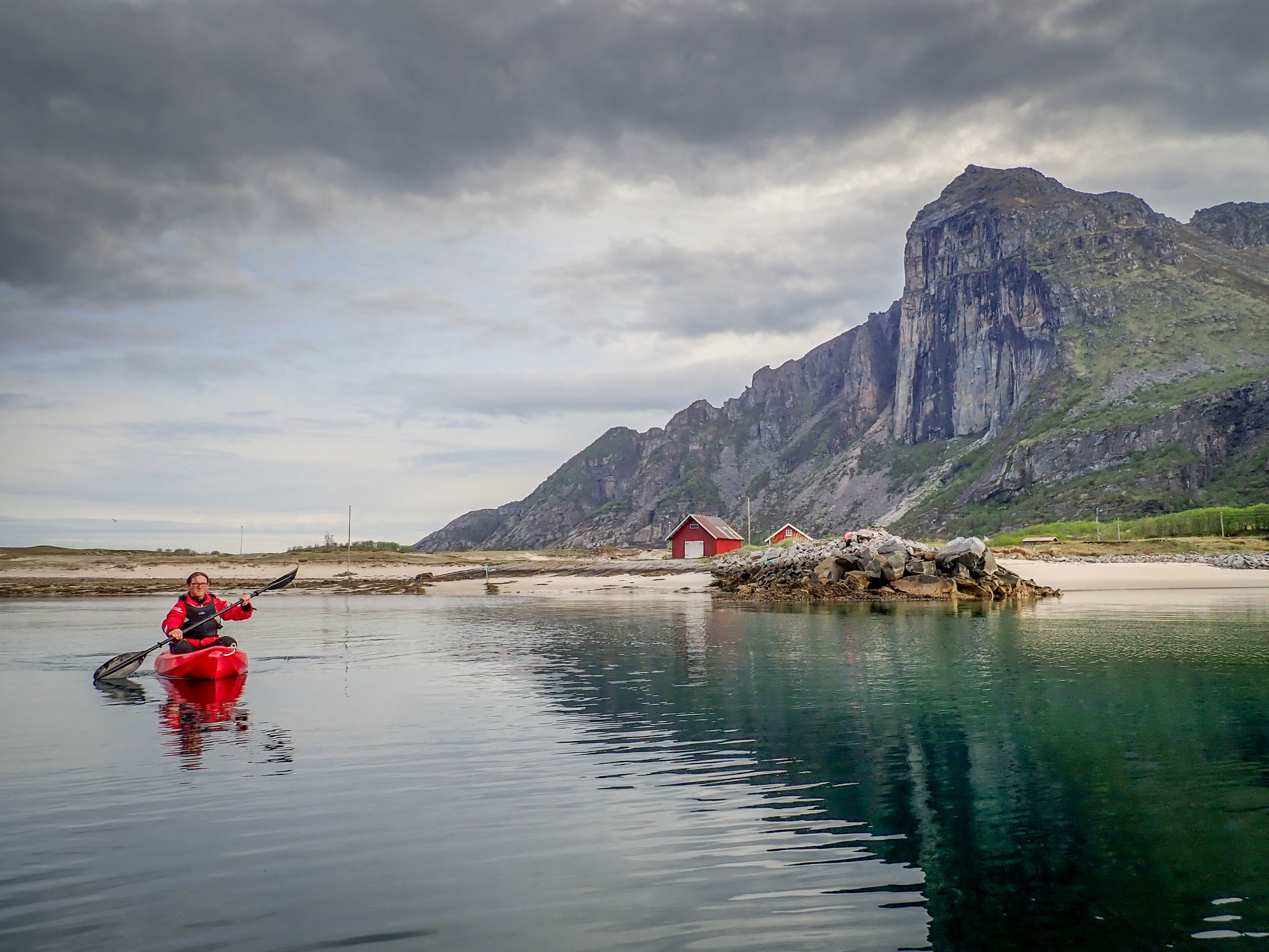 Kayaking near Sørflugøya in Norway