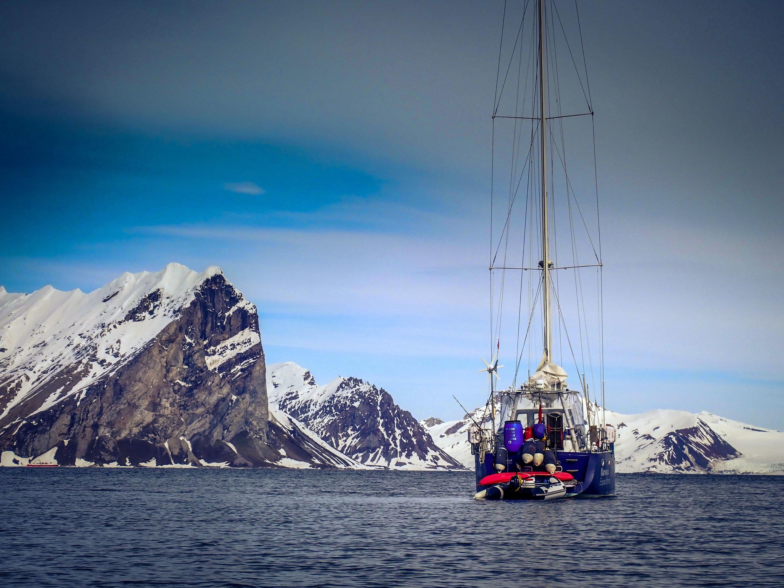 Expedition yacht Narwhal in Hornsund, Svalbard