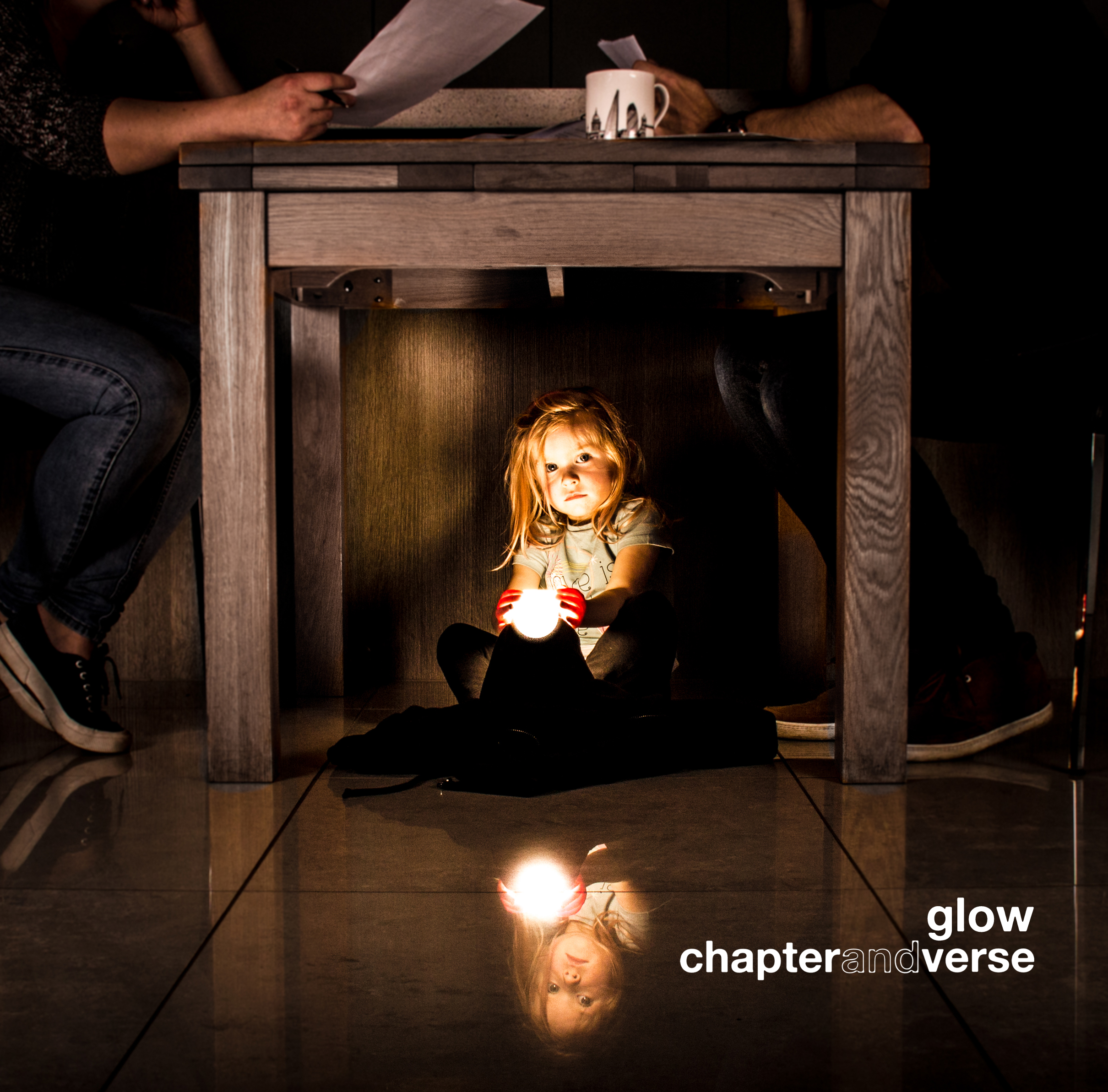 Glow  EP tracklisting:  1. The Casket 2. Magazines 3. Eleven Hours in Real Time 4. A Devil in Blue 5. Ink