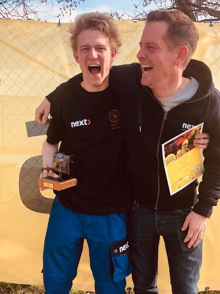 Rasmus Frølund med Faglærer Lars Emil Roos