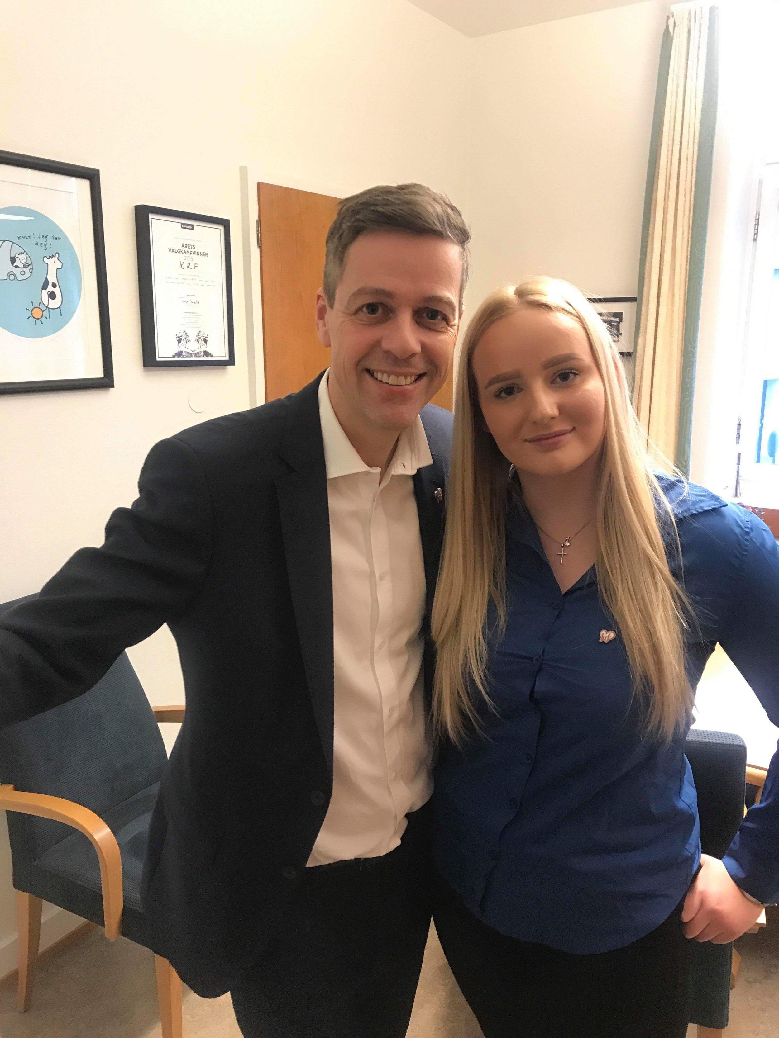Constance Aarøy Thuv fikk komme bak kulissene på Stortinget da hun sist uke tilbragte en dag sammen med KrF-leder Knut Arild Hareide Foto: Privat