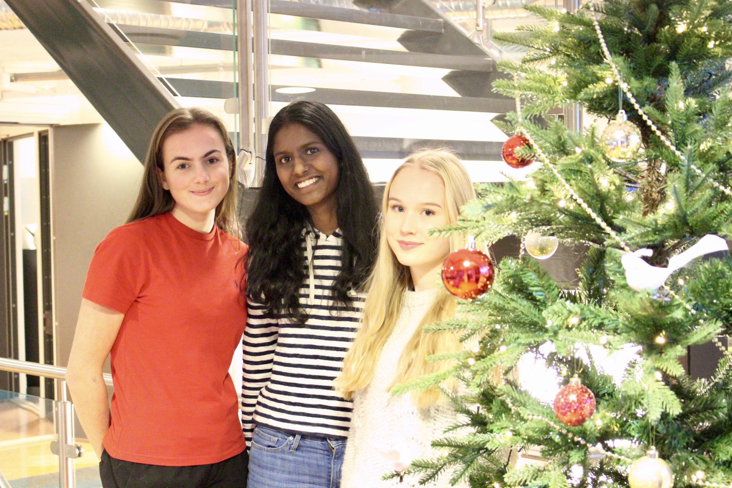 Hannah Toft Nordum (f.v.), Shahana Balakumaran og Hannah Gjerløw Solem.