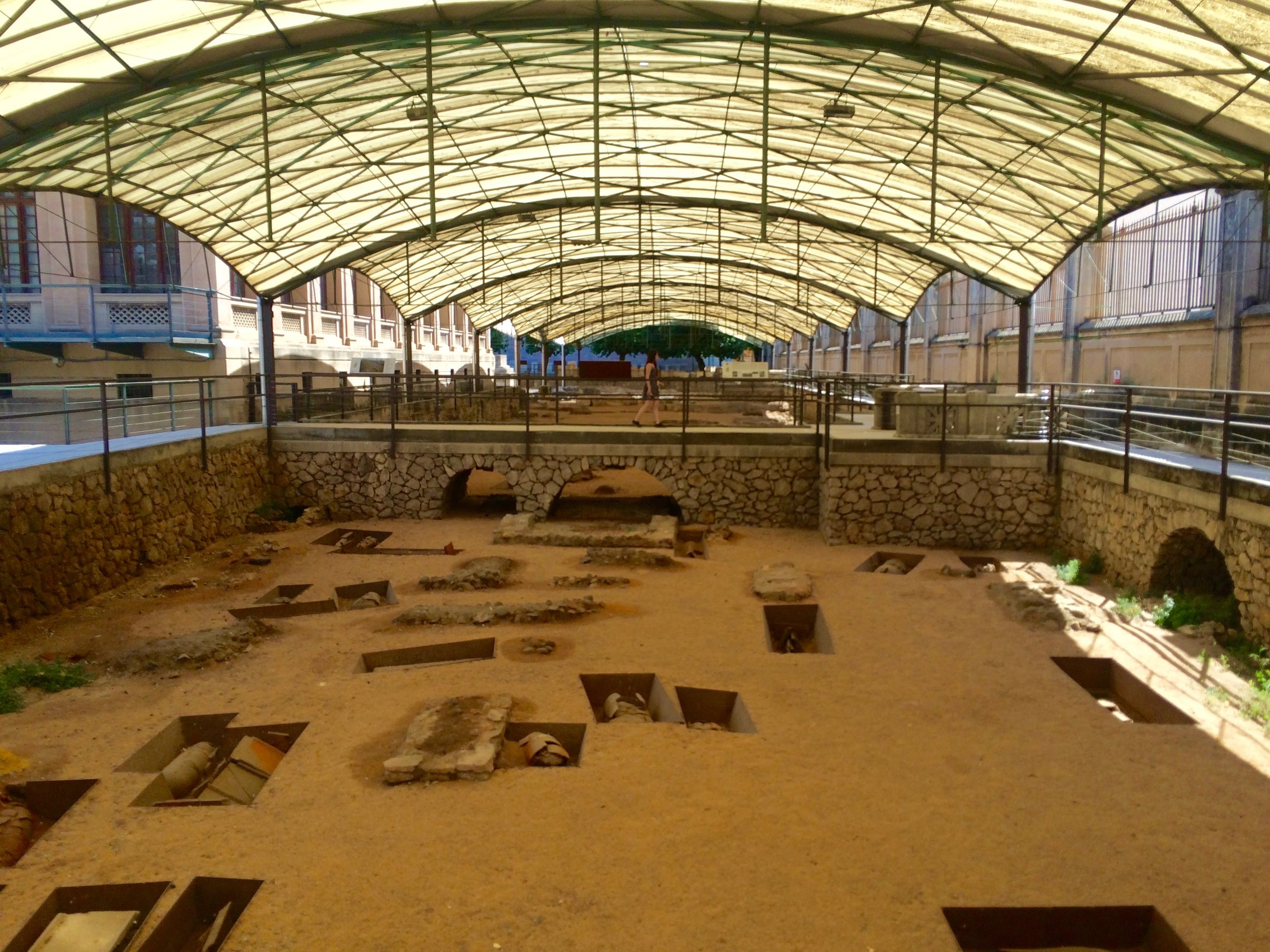 The cemetery has 2,051 tombs in a wide diversity of styles, making it the most important early Christian necropolis in the Western Mediterranean.