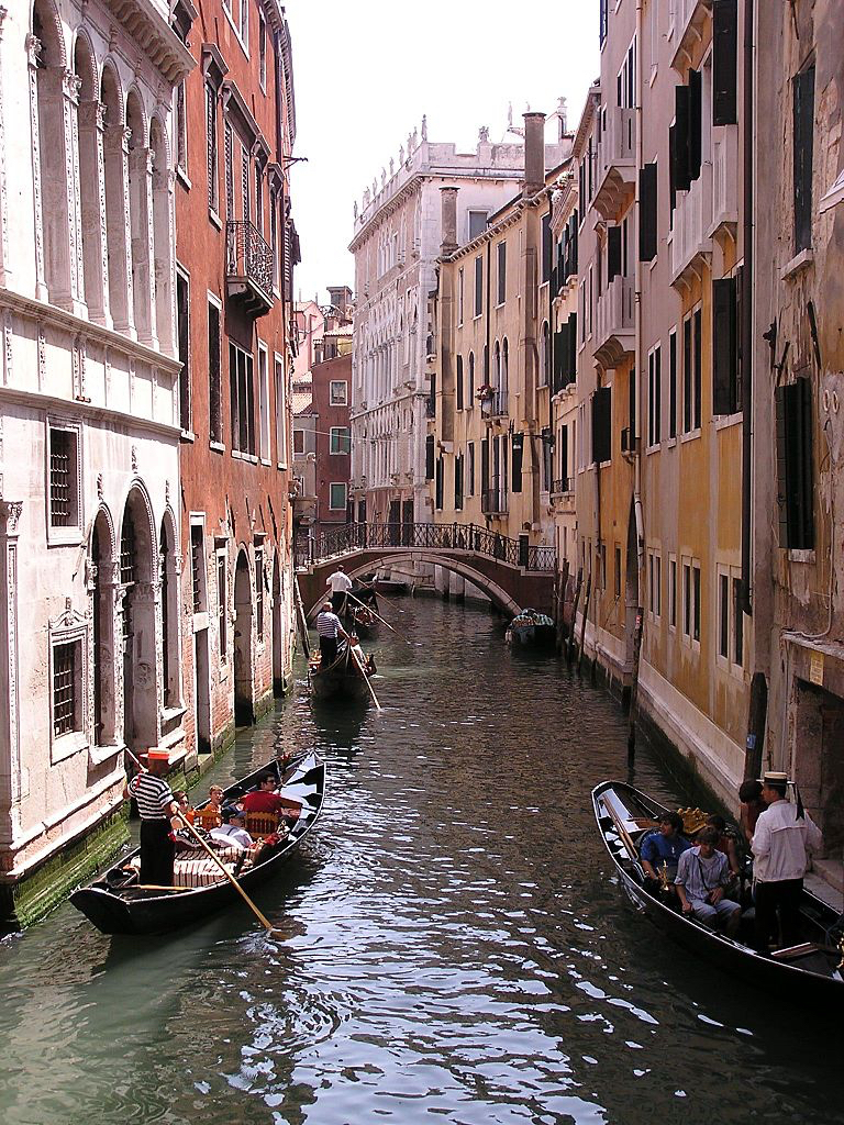 768px-gondola-venice-italy.jpg