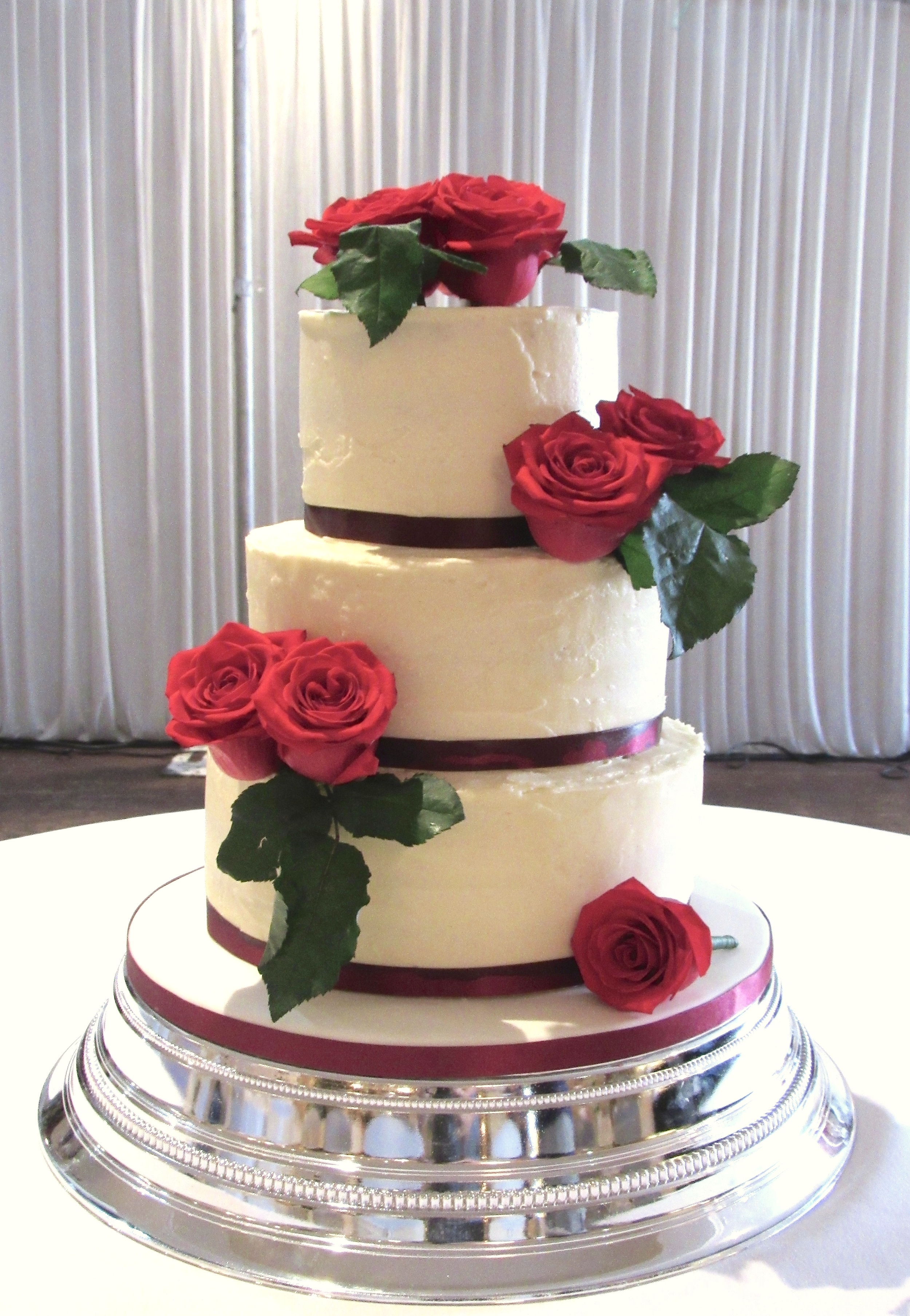 Romantic Red Rose Wedding Cake