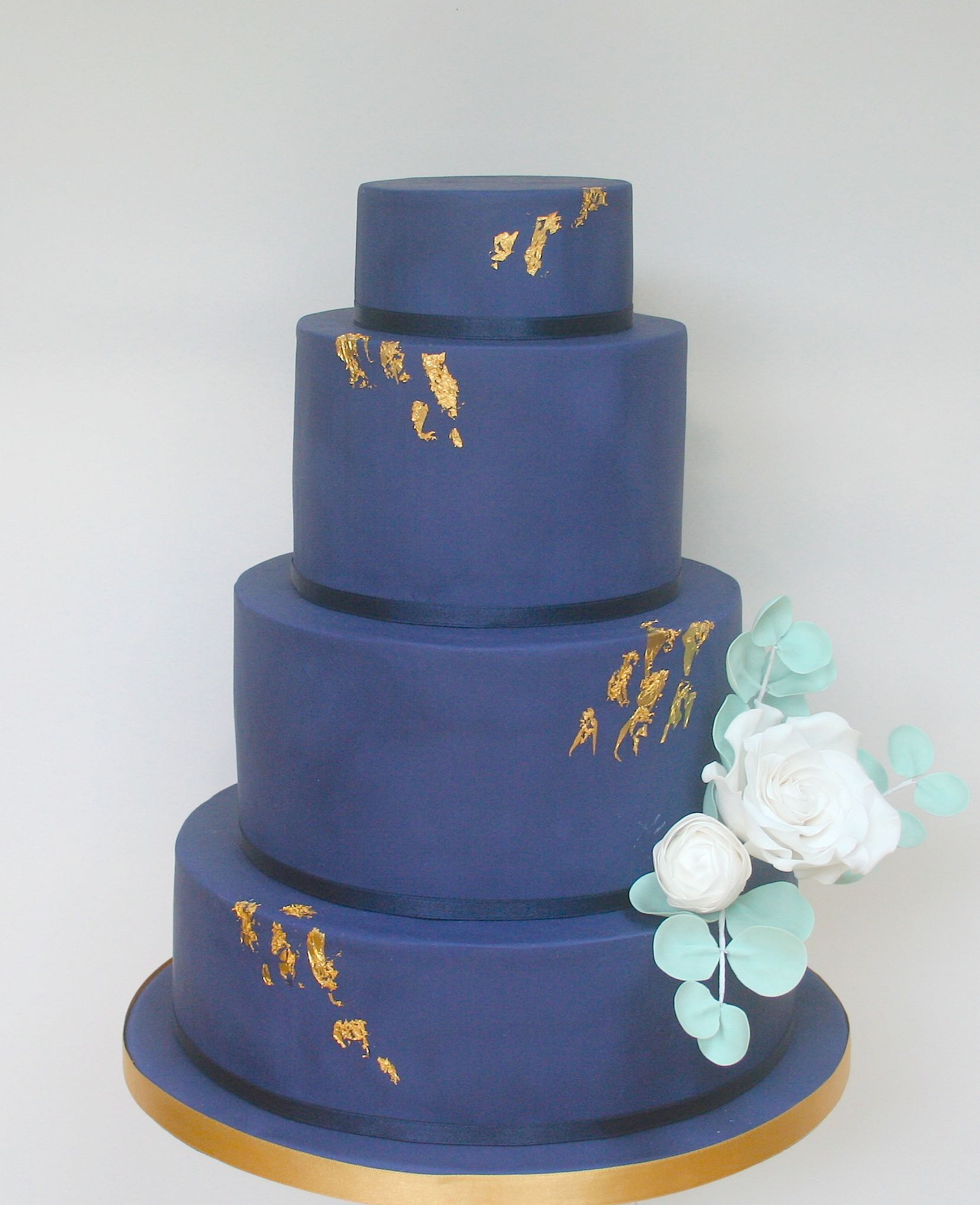 Navy-Rose-Wedding-Cake-small.jpg