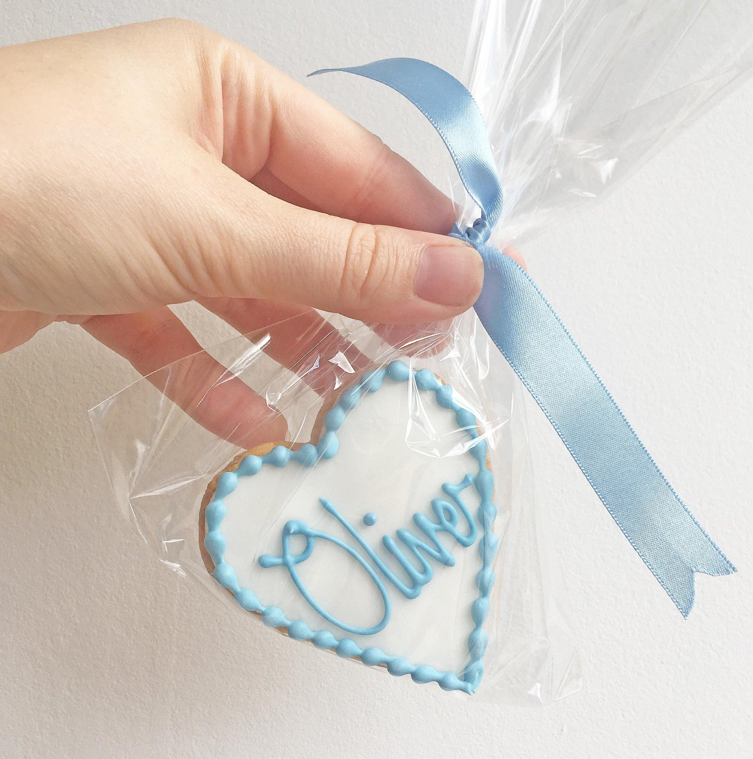 Oliver-biscuit-favour.jpg