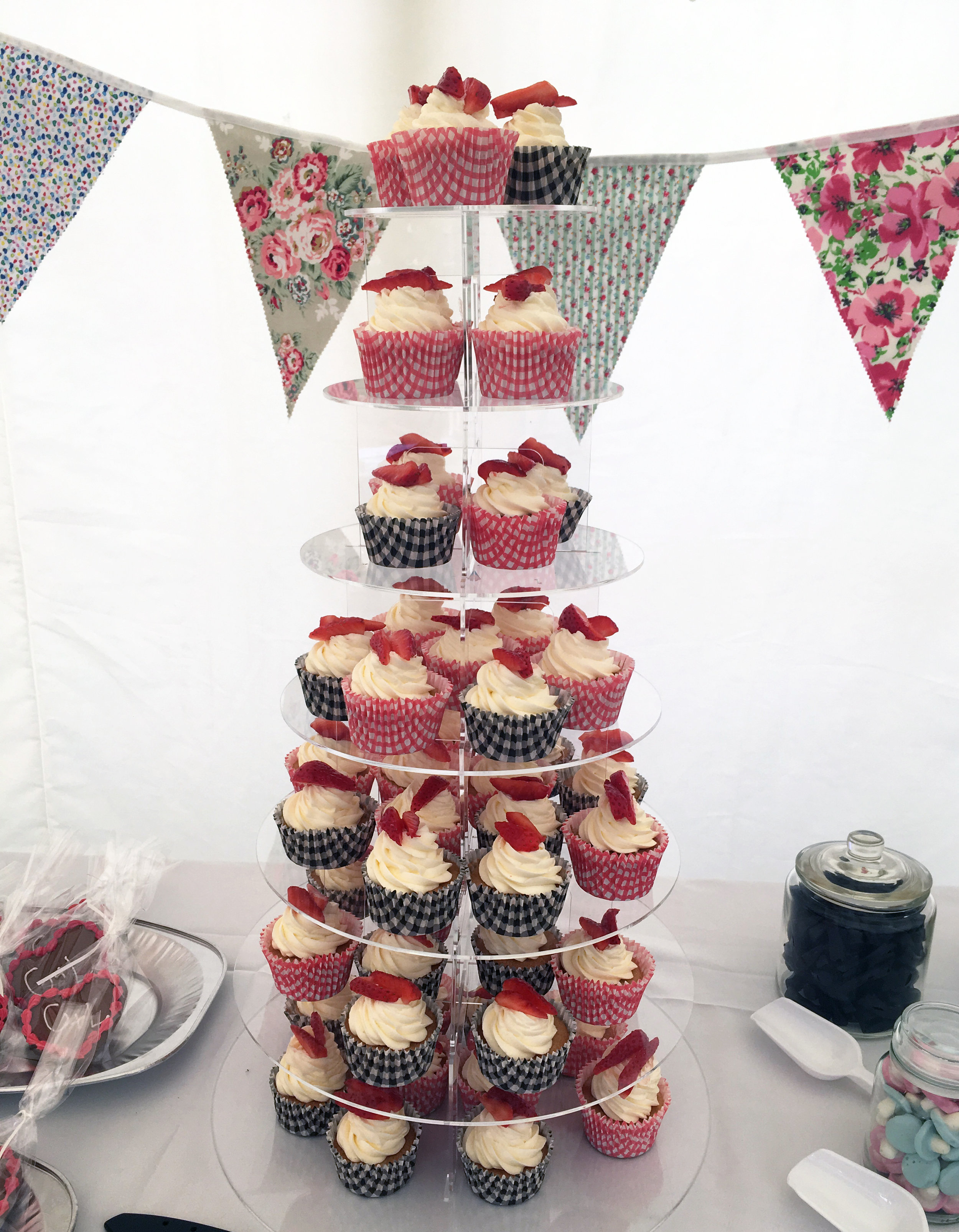 Gemma-Lee-Cupcake-Tower.jpg