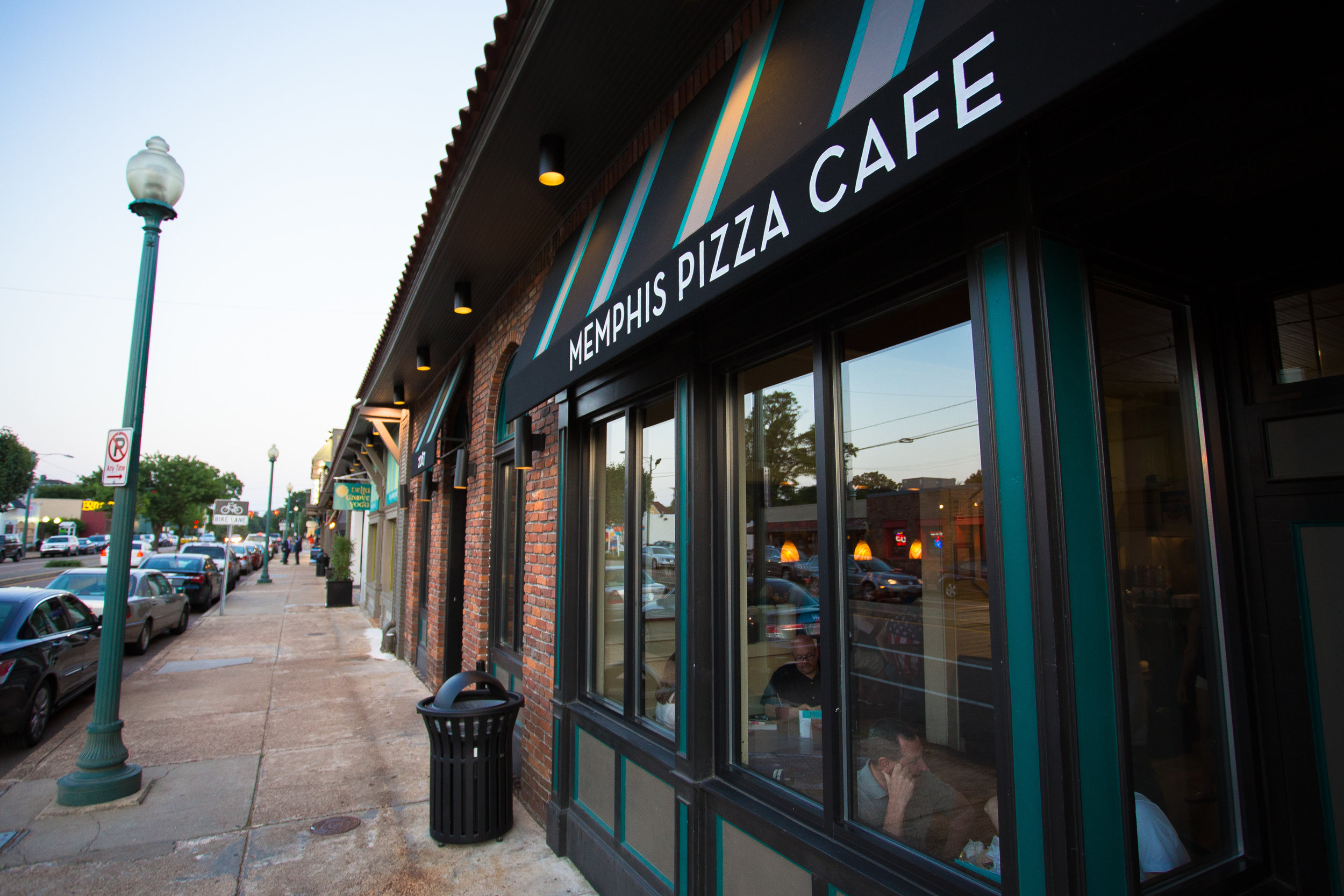 Memphis Pizza Cafe 01.jpg
