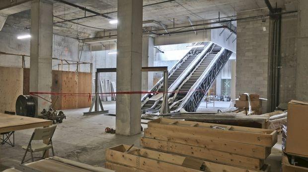 KingsClub - escalator construction.JPG