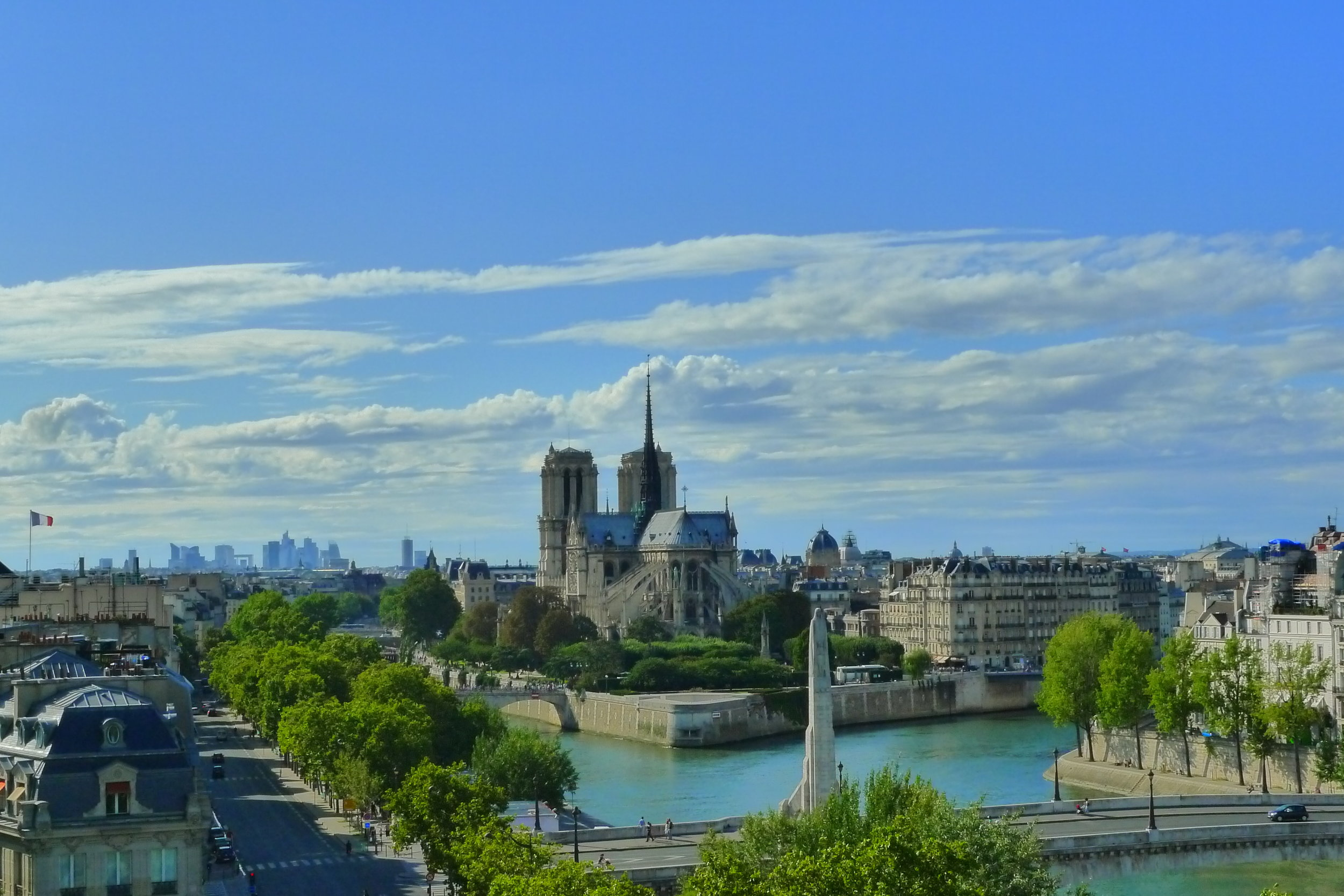 This is the view you can enjoy with your authentic mint tea on the roof of l'Institut du Monde Arabe.