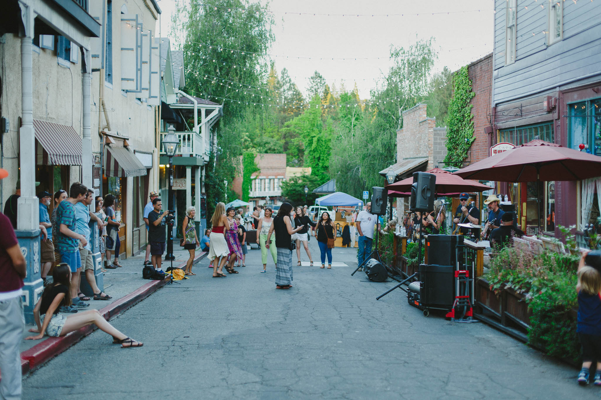 First Friday Art Walk in Nevada City | Lenkaland Photography