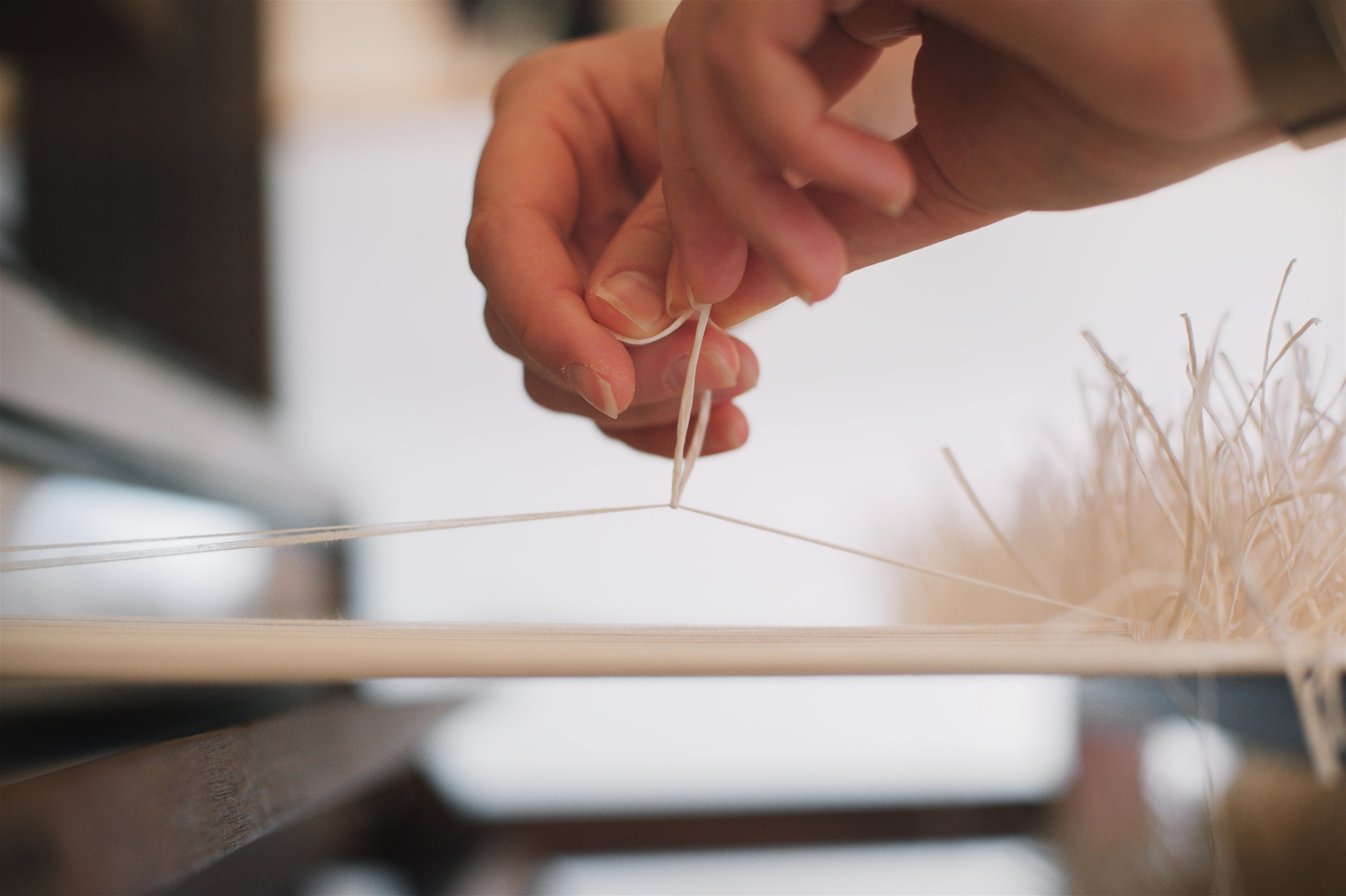 paper yarn knot tying