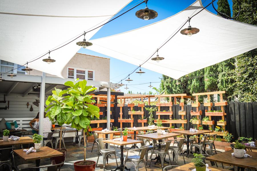 Restaurant_04.jpg