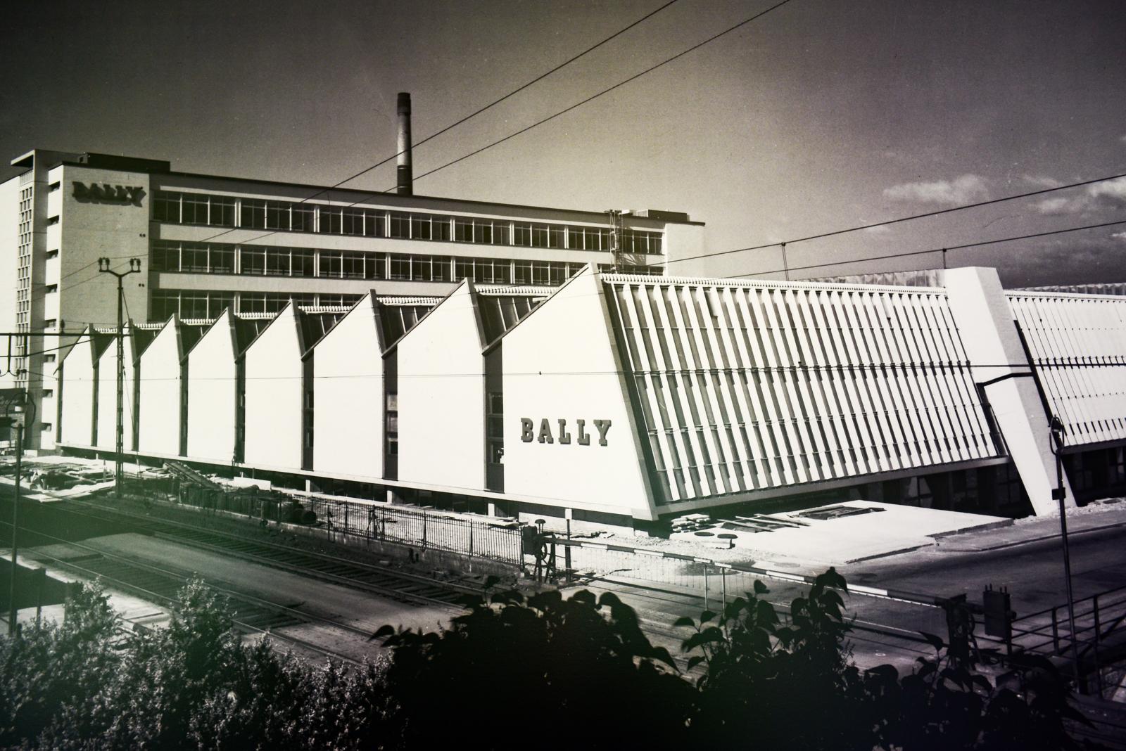 Bally-Herrenschuhfabrik nach der Bauvollendung 1963.